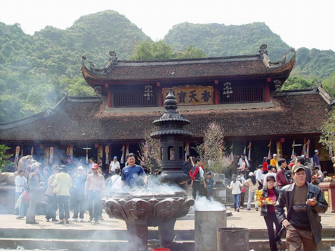 Dùng đồ của nhà chùa, sống có yên không