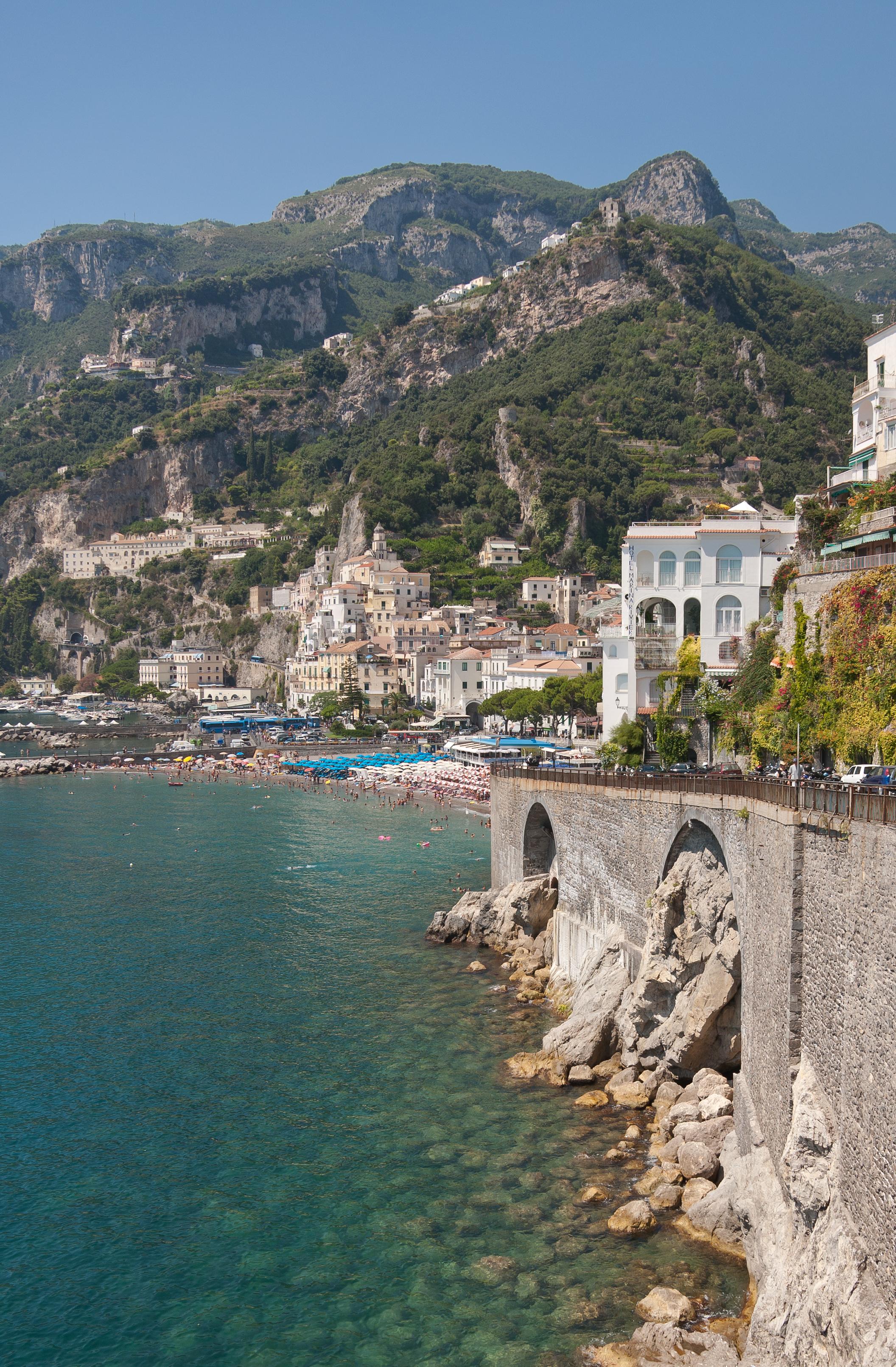 File costa di amalfi wikimedia commons for Italia amalfi