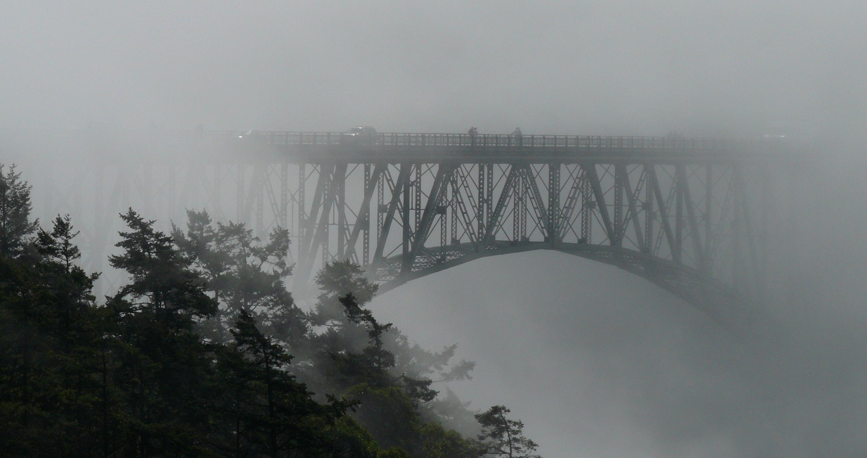 File:Deception Pass Bridge in fog.jpg - Wikimedia Commons