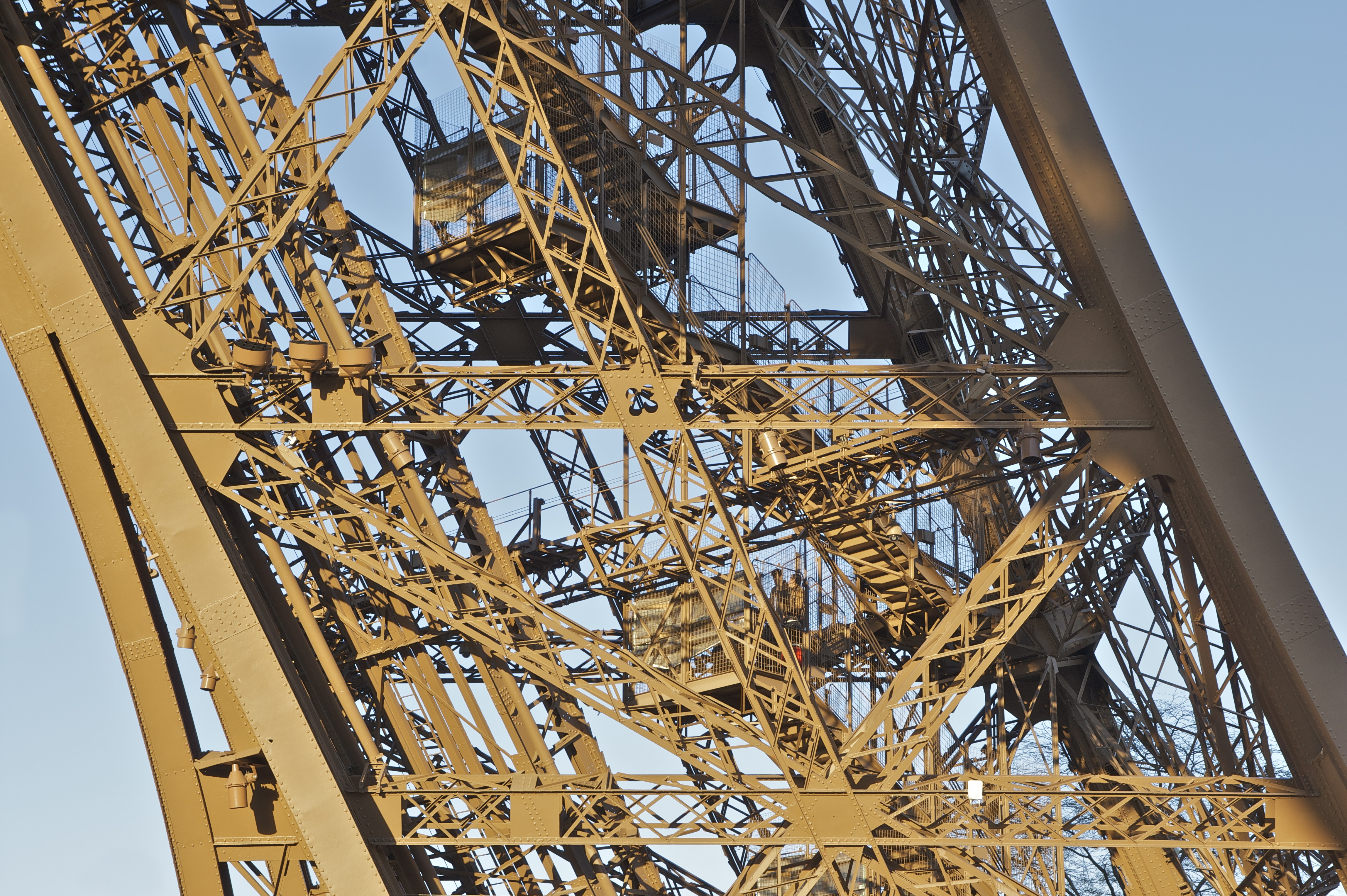 File detail structure tour wikimedia commons - Escalier de la tour eiffel ...