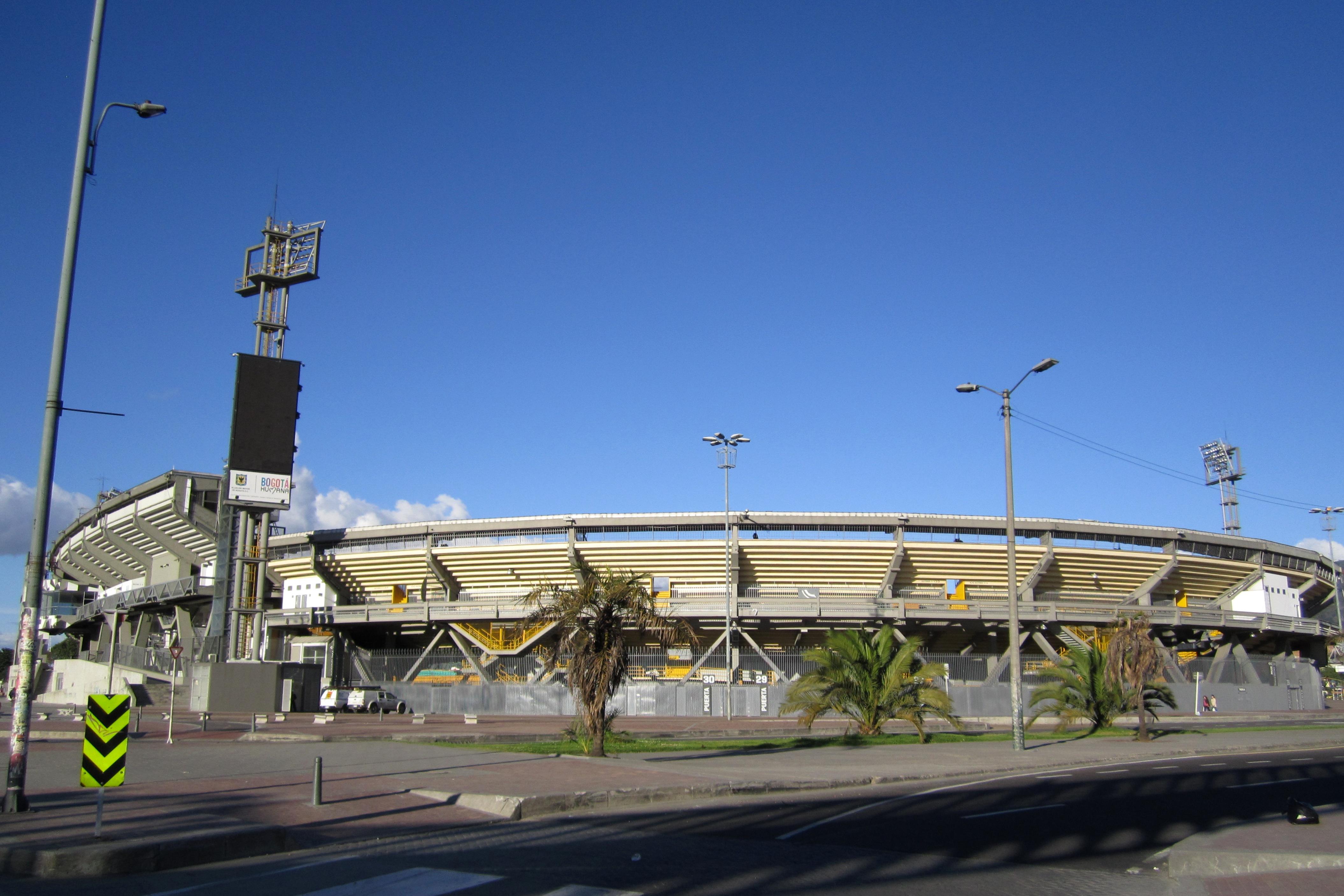 https://upload.wikimedia.org/wikipedia/commons/c/ce/Estadio_El_Campin_costado_suroccidental.JPG