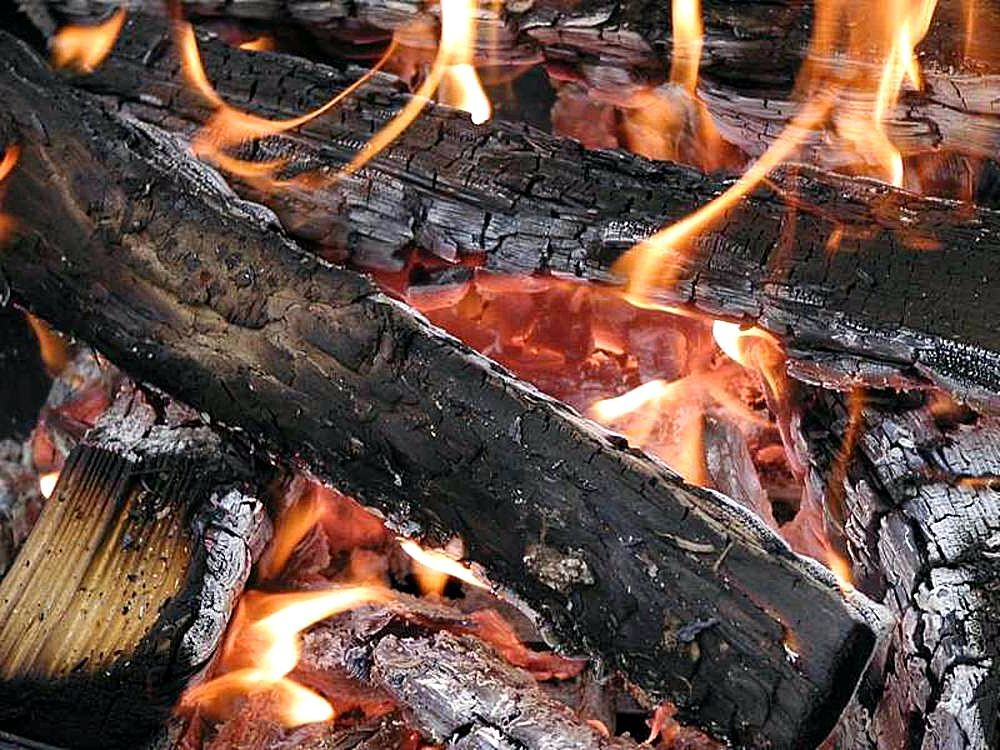 Attirant File:Fires Wood Flames Burning Embers Coals