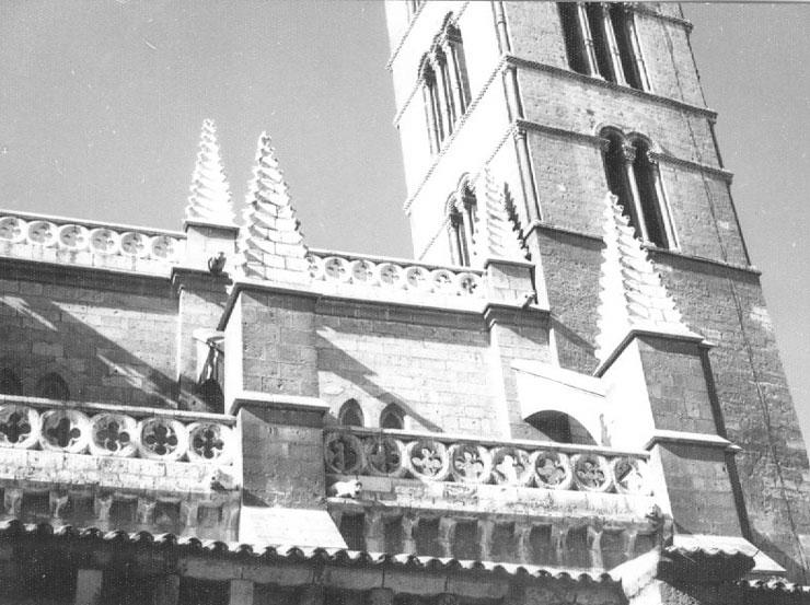 Fundación Joaquín Díaz - Iglesia de Santa María de la Antigua - Valladolid (16).jpg