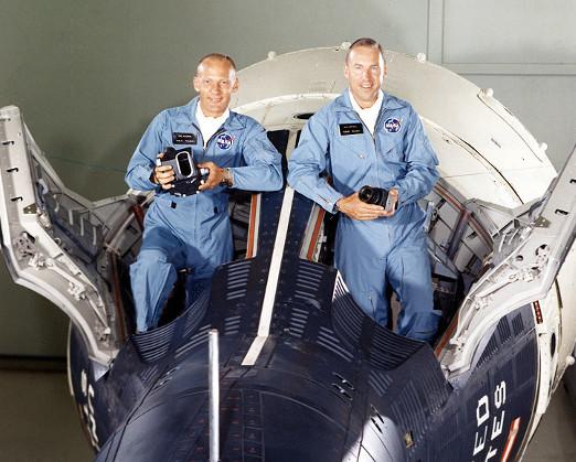 Gemini12 crew.jpg
