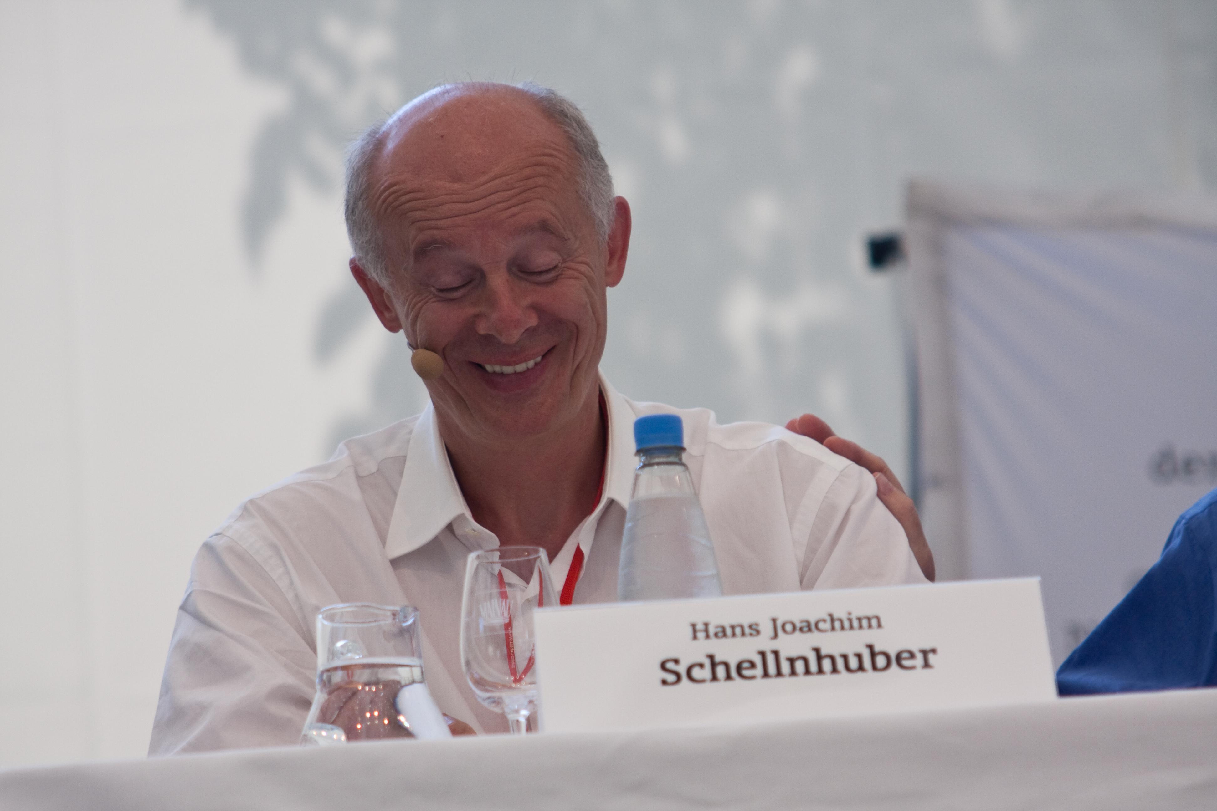 Environmental scientist Hans Joachim Schellnhuber receives Blue Planet Prize