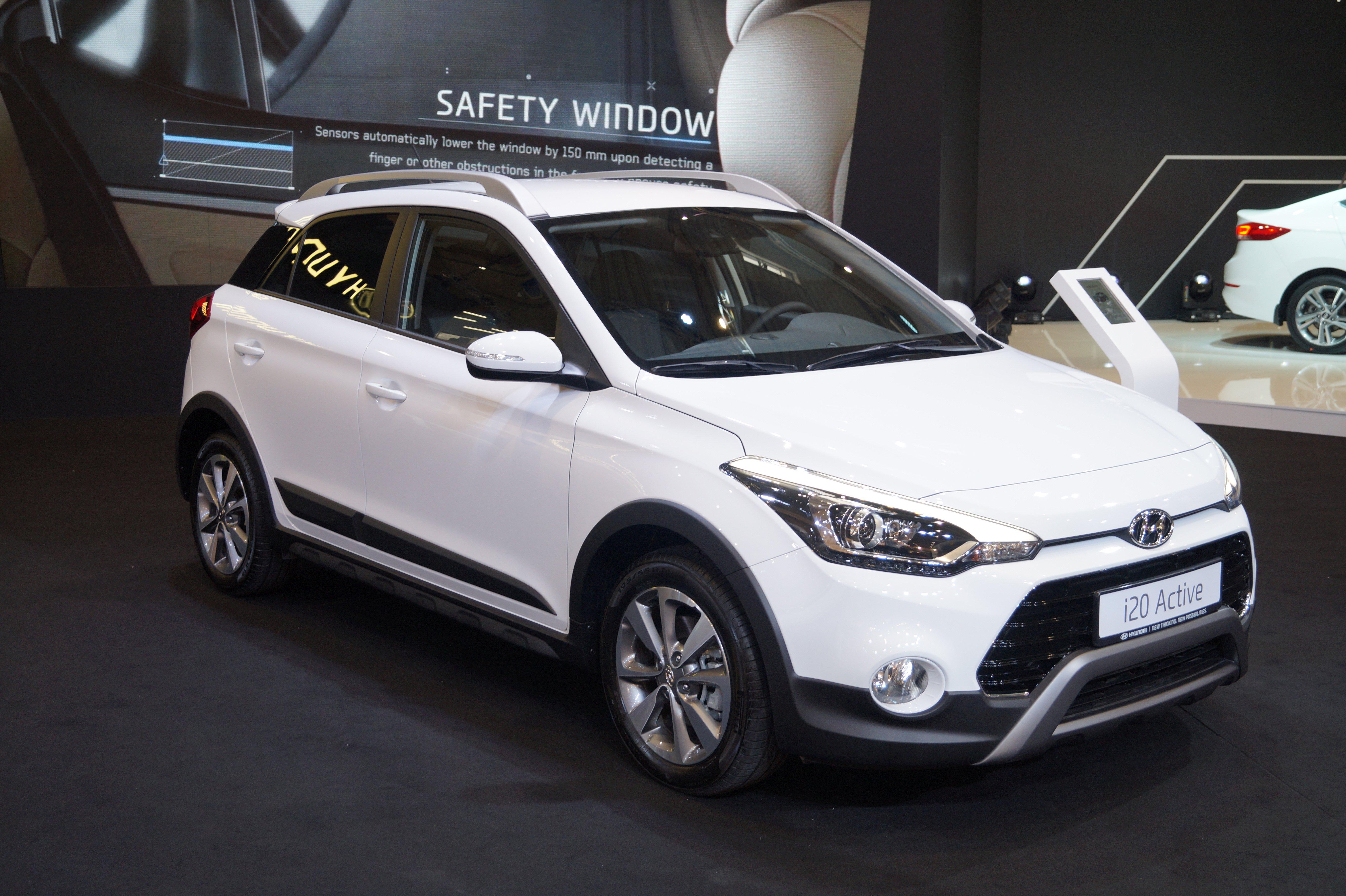 Creta 2017 White >> File:Hyundai i20 Active - przód (MSP16).jpg - Wikimedia ...