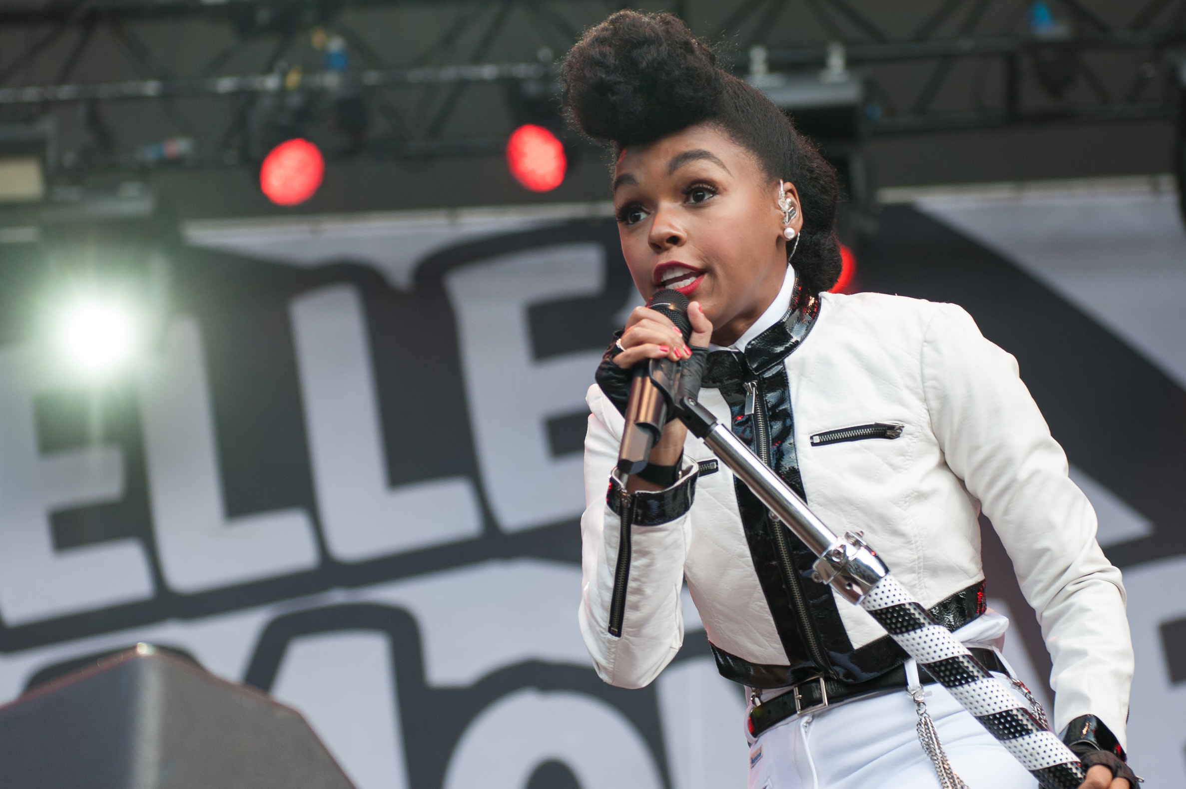 Janelle Monae Dating janelle monae pictures, latest news, videos and ...