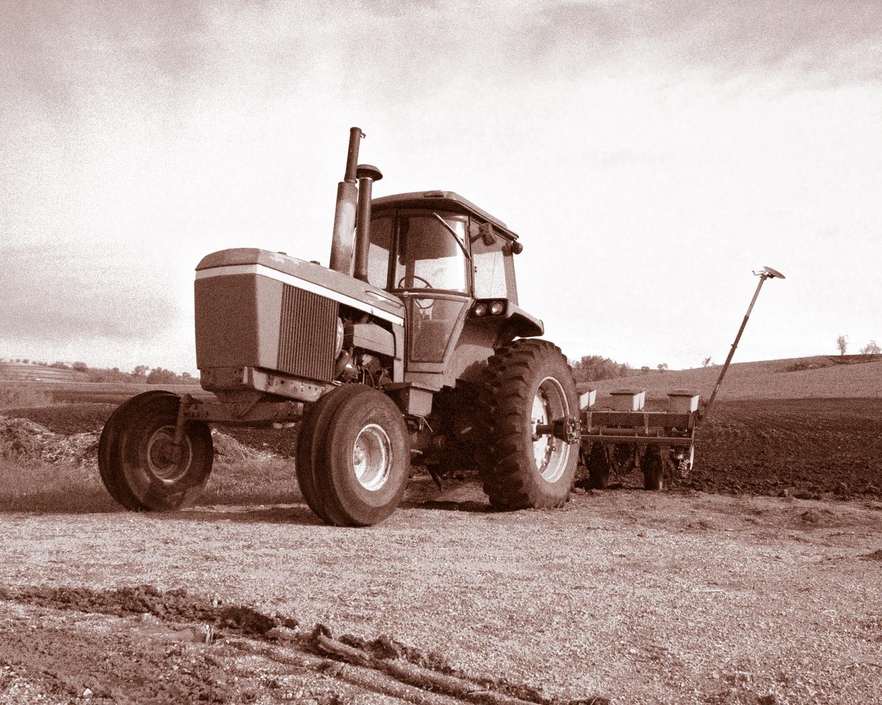 File:John Deere 4630 tractor.jpg - Wikimedia Commons