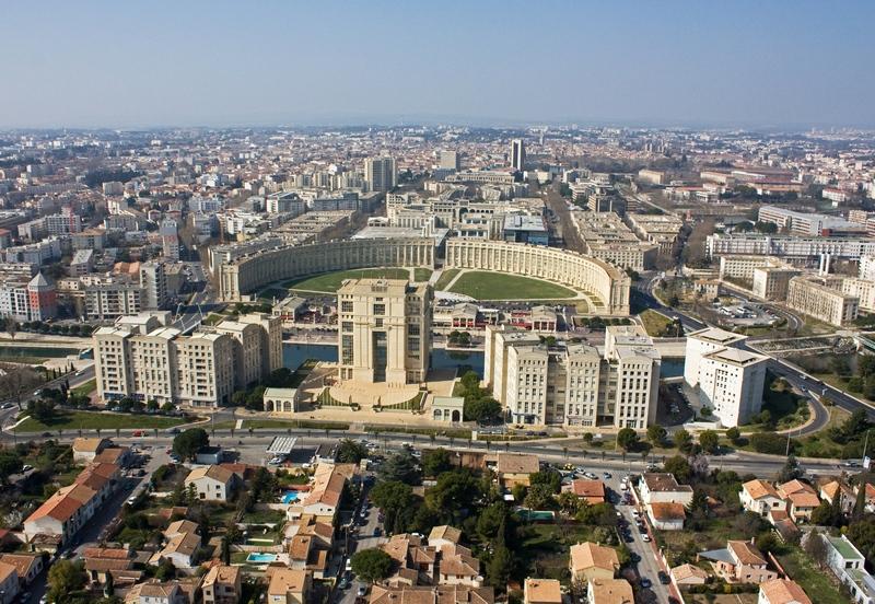 Montpellier_vue_sur_Antigone.jpg