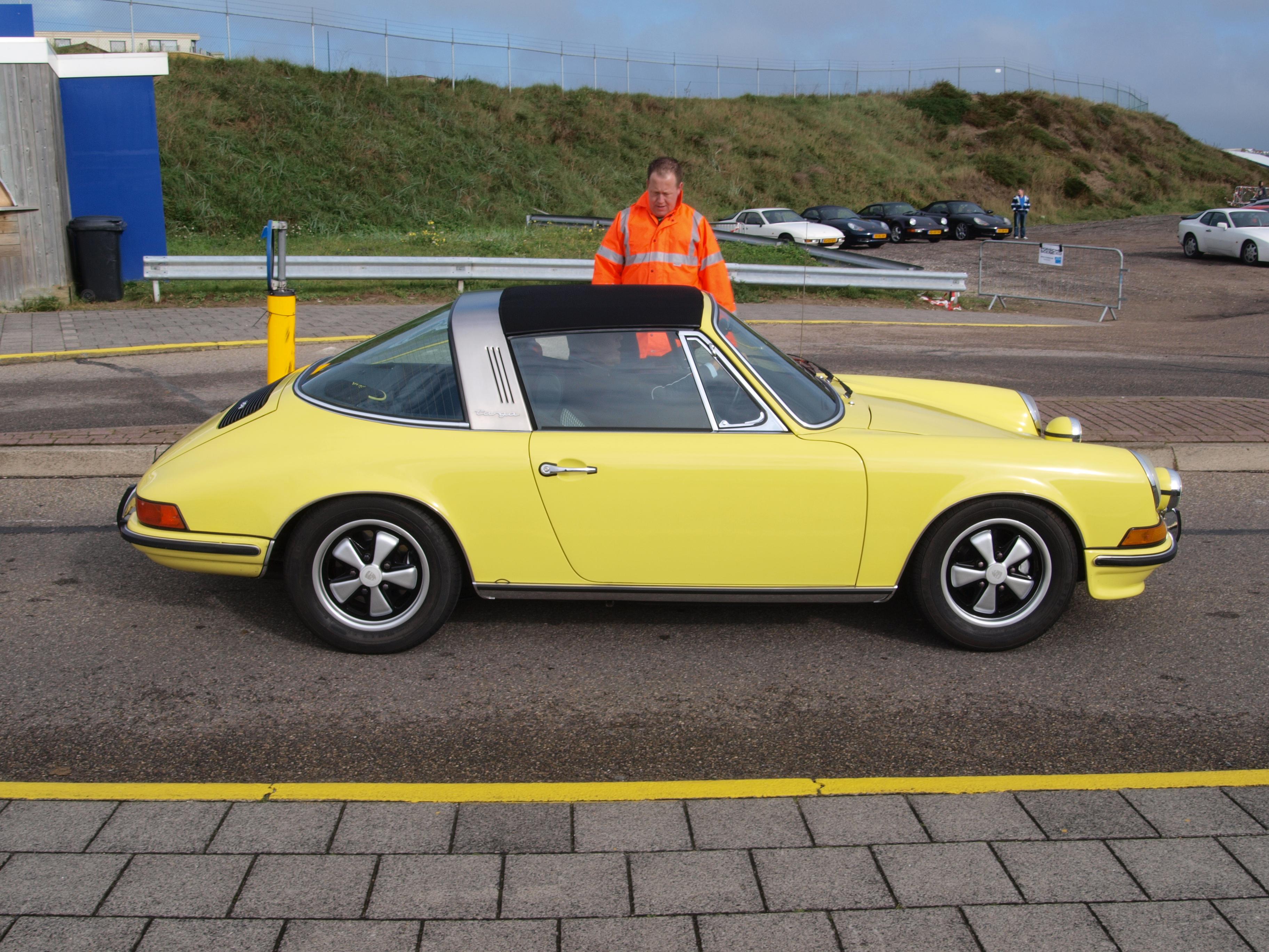 File Nationale Oldtimerdag Zandvoort 2010 1973 Porsche