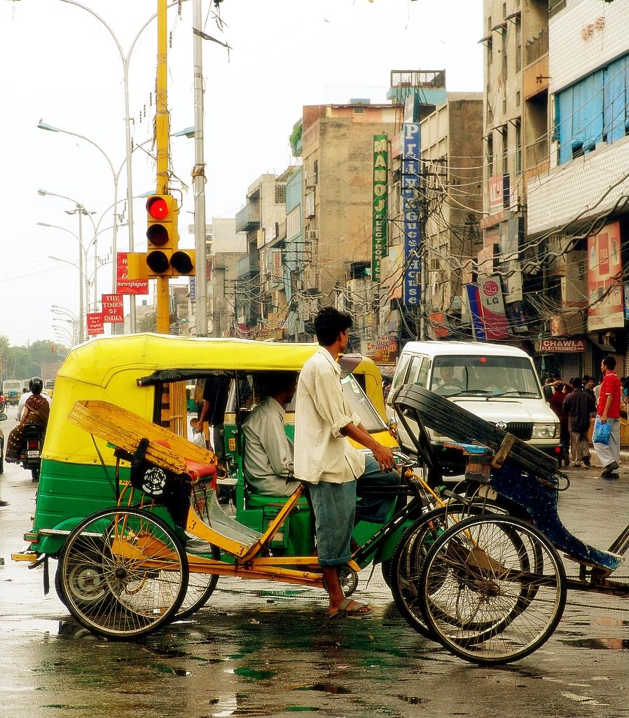 external image New_Delhi_Street.jpg