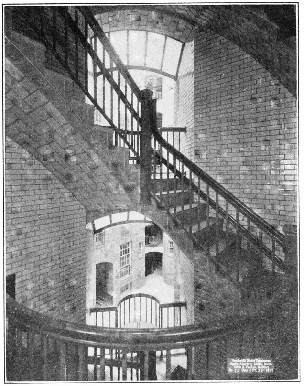 PSM V80 D197 Open staircase and view of the central court.png