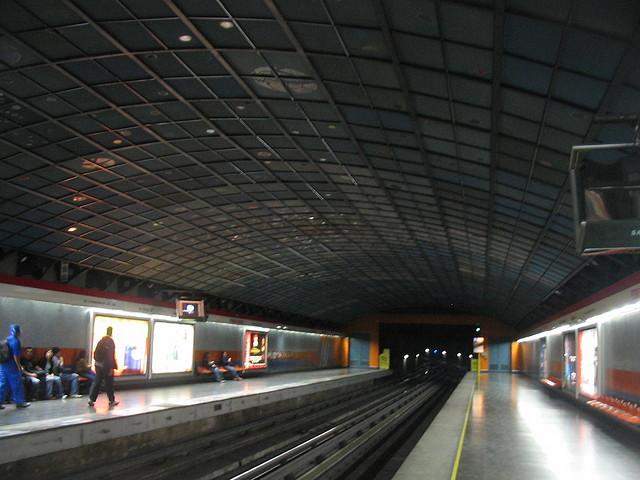 Pedro de Valdivia metro station
