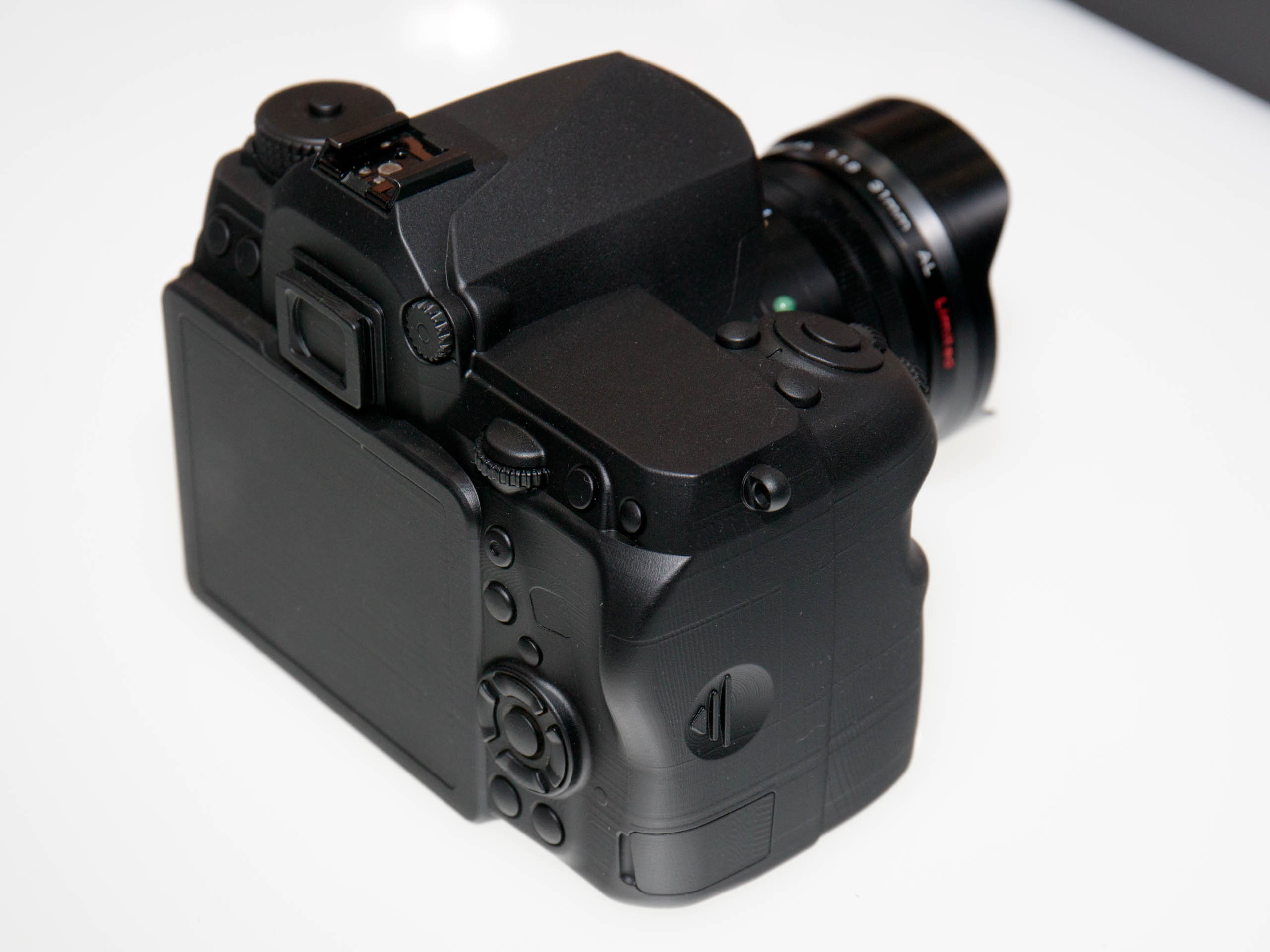 File:Pentax full-frame DSLR mock-up rear 2015 CP+.jpg - Wikimedia ...