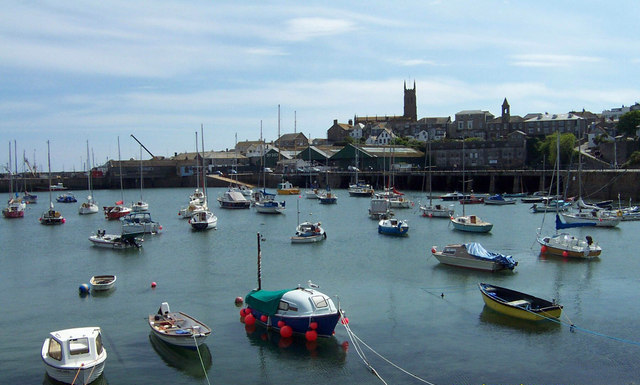 Penzance Harbour - geograph.org.uk - 289876 (cropped)
