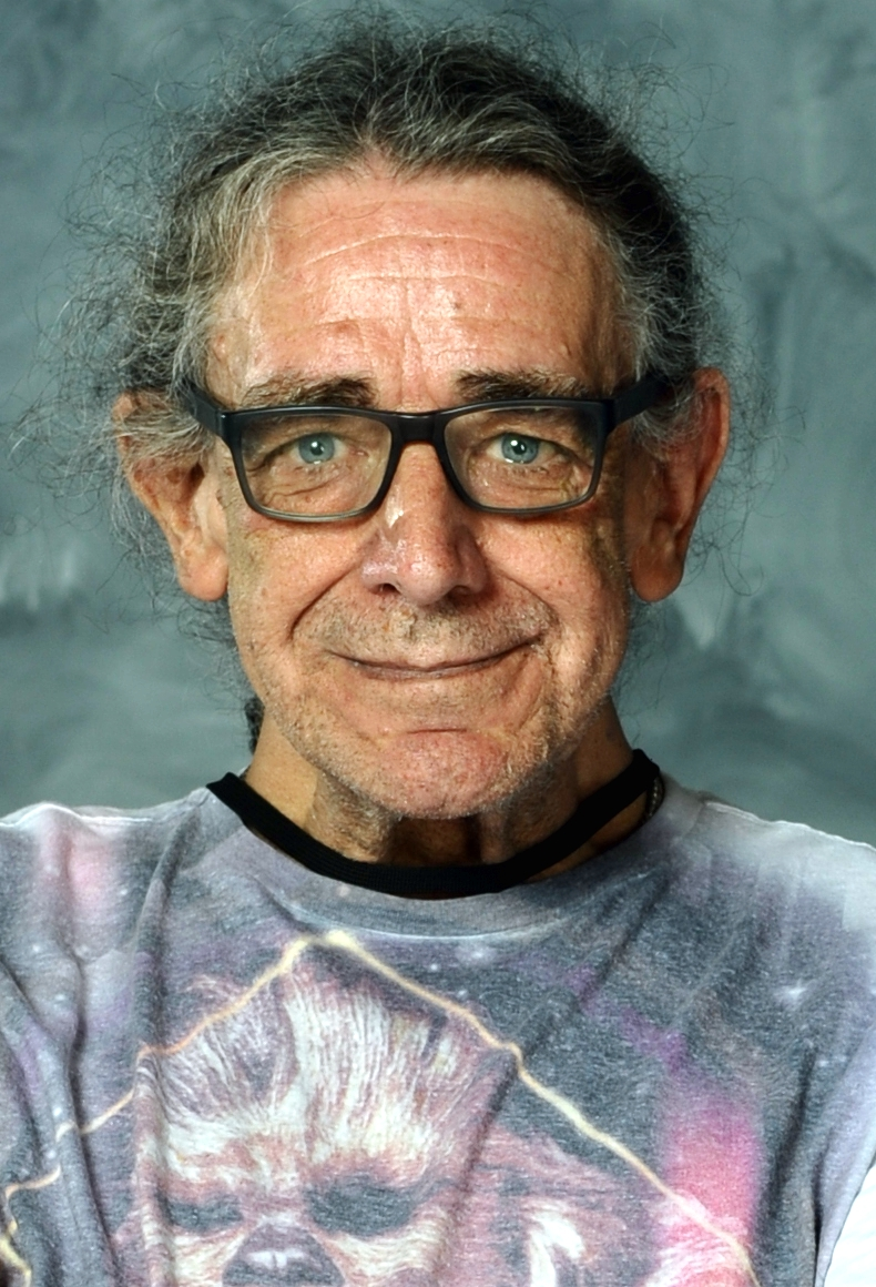 The 74-year old son of father (?) and mother(?) Peter Mayhew in 2018 photo. Peter Mayhew earned a  million dollar salary - leaving the net worth at 0.5 million in 2018