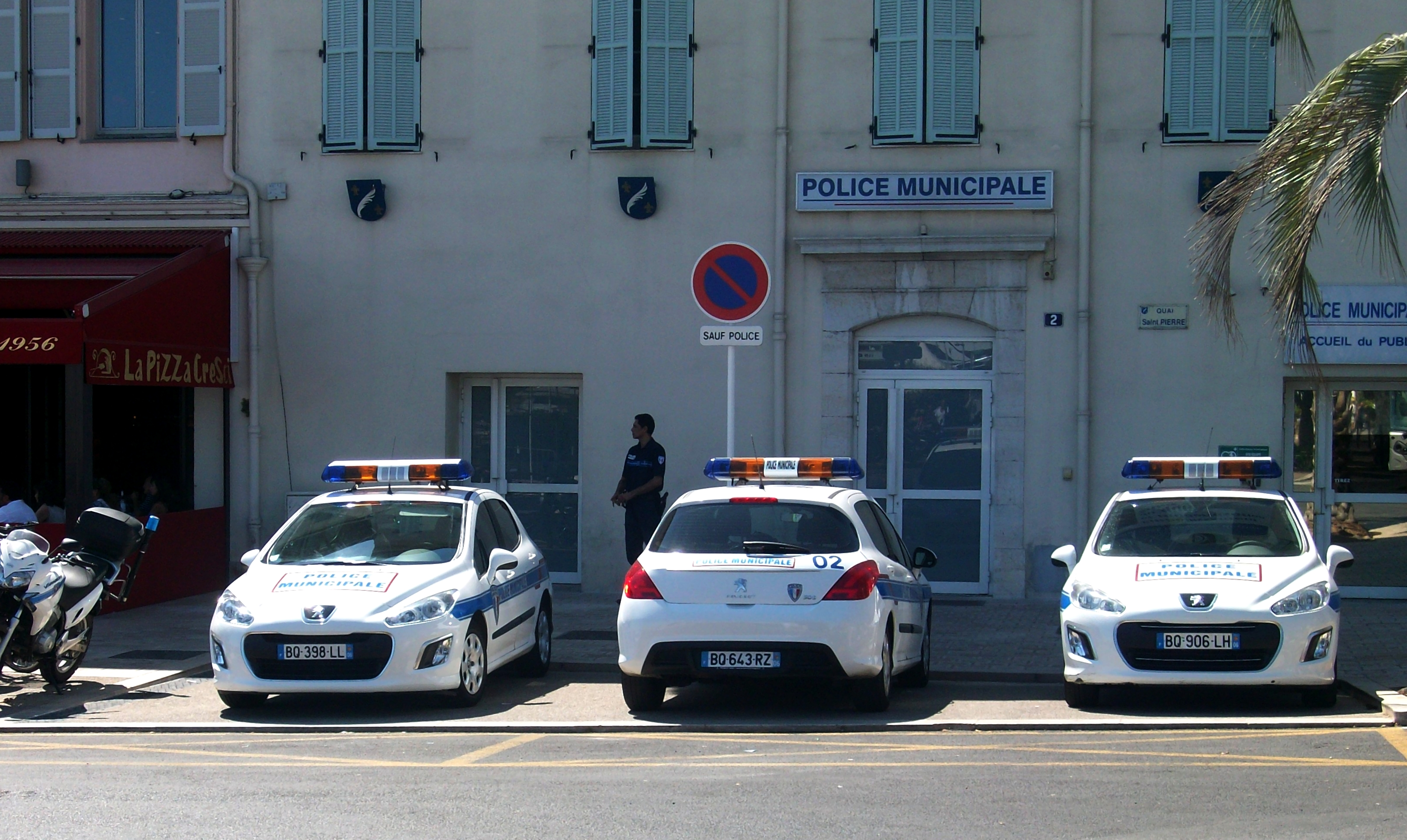 File police municipale cannes peugeot 308 jpg for Police cannes