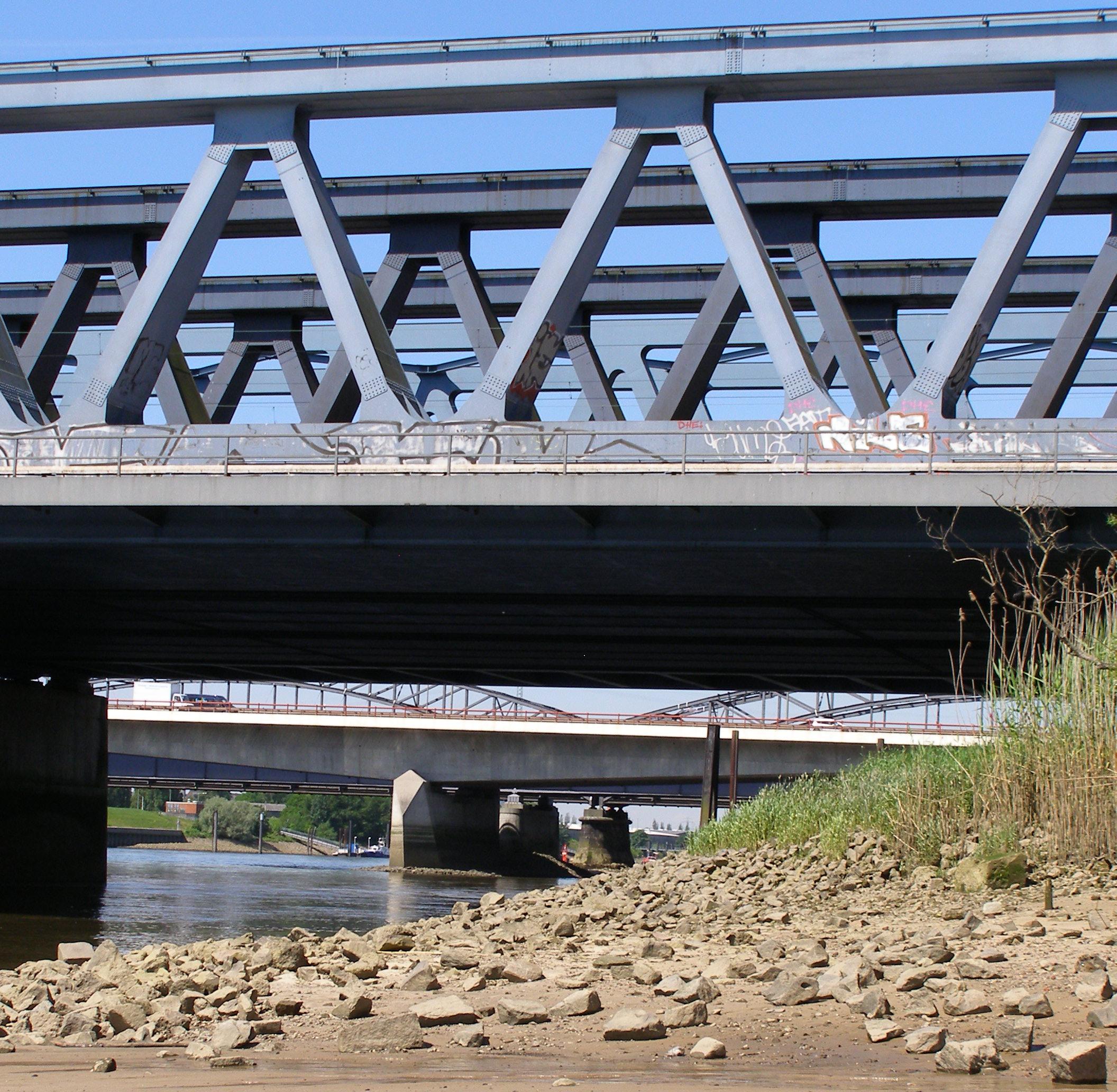 Süderelbbrücken narrow 2013-06-07.jpg