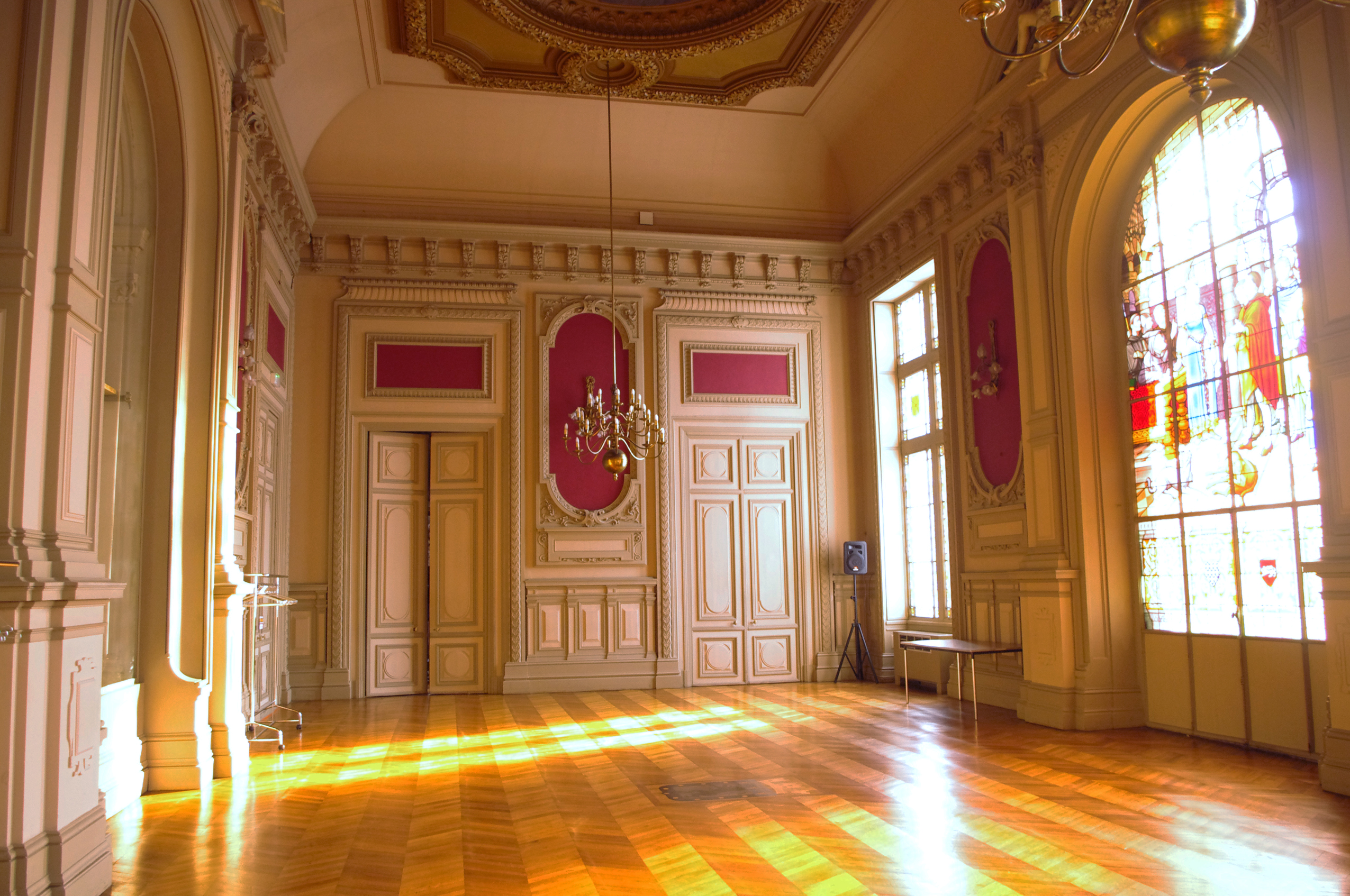 architecte interieur poitiers fabulous ducal palace poitiers with architecte interieur poitiers. Black Bedroom Furniture Sets. Home Design Ideas
