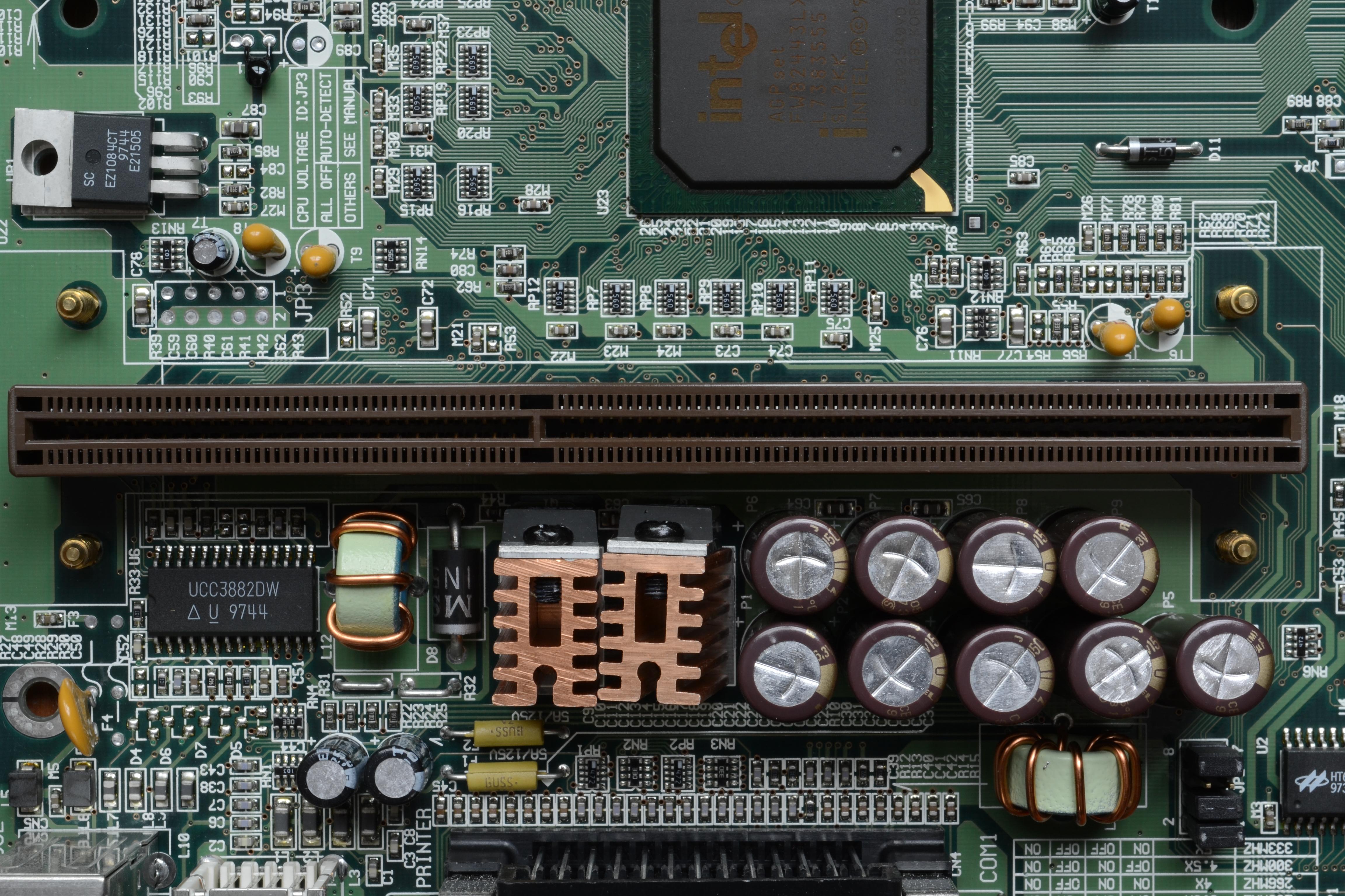 Tyan Trinity 400 S1854 - motherboard - ATX - Pro133A - Slot 1 ...