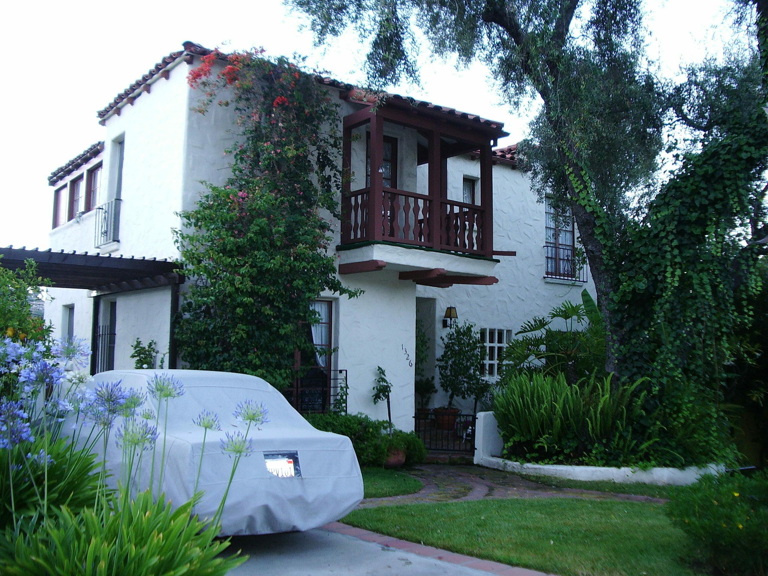 Glendale california familypedia fandom powered by wikia for Glendale house