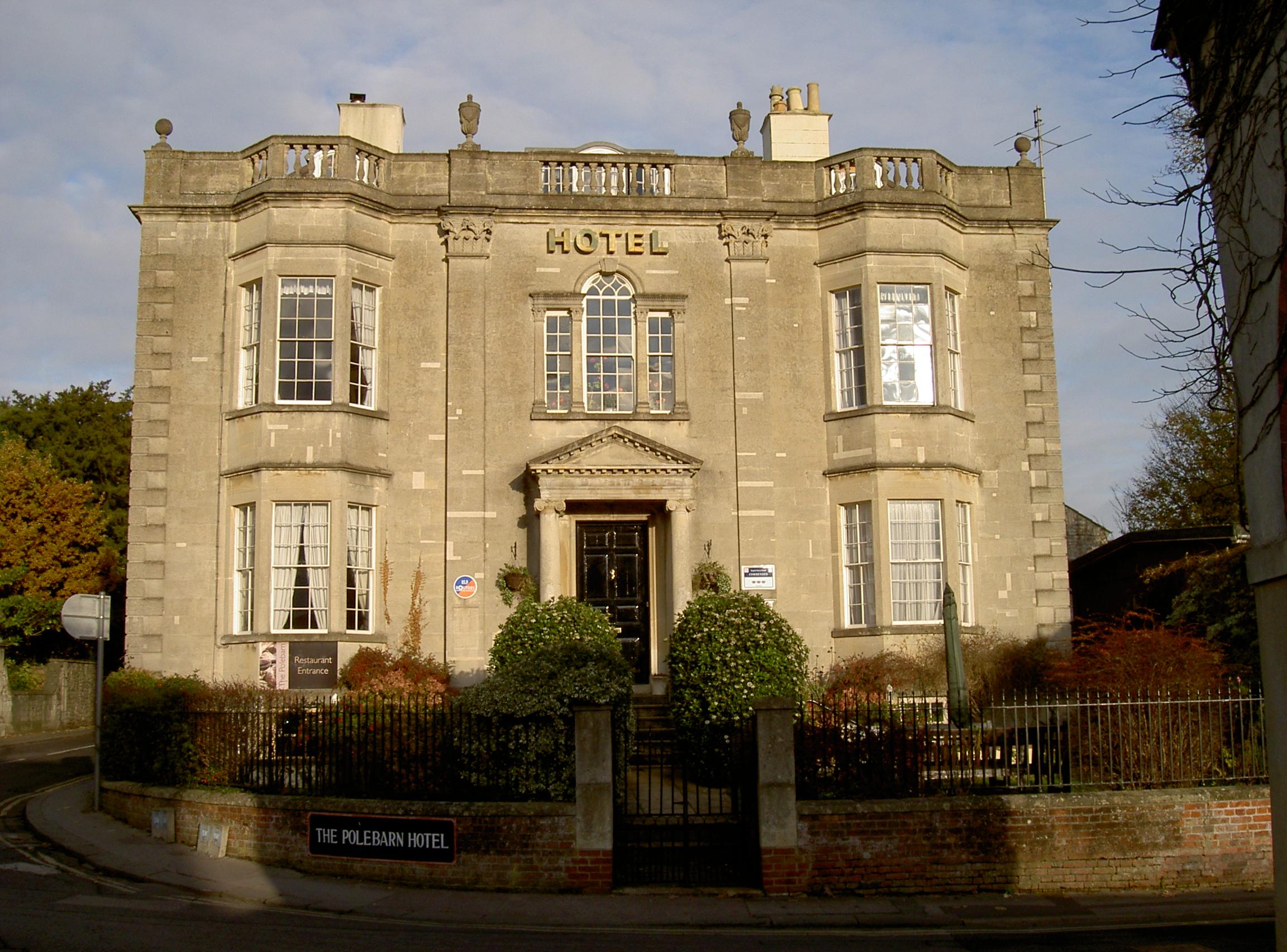 File:The Polebarn Hotel, Trowbidge.jpg - Wikipedia