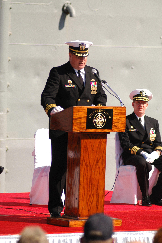 File:US Navy 070221-N-6410J-278 USS Ogden (LPD 5) Commanding
