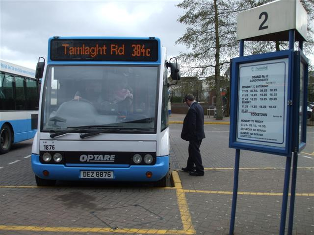 El juego de las imagenes-https://upload.wikimedia.org/wikipedia/commons/c/ce/Ulsterbus_bus_1876_(DEZ_8876)_2005_Optare_Solo_M920SL,_25_February_2009_uncropped.jpg