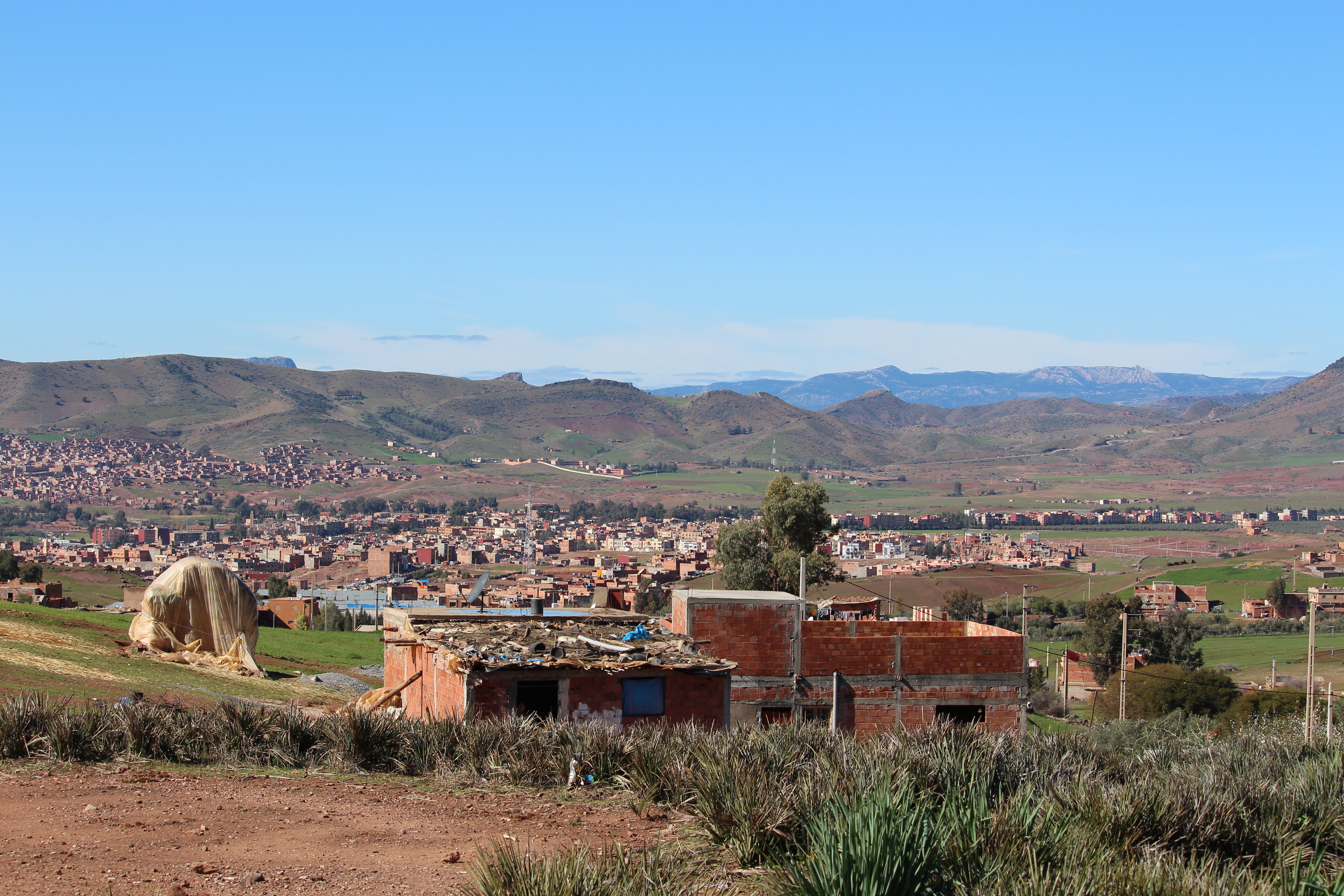 File ville de khenifra maroc jpg wikimedia commons for Piscine demontable maroc