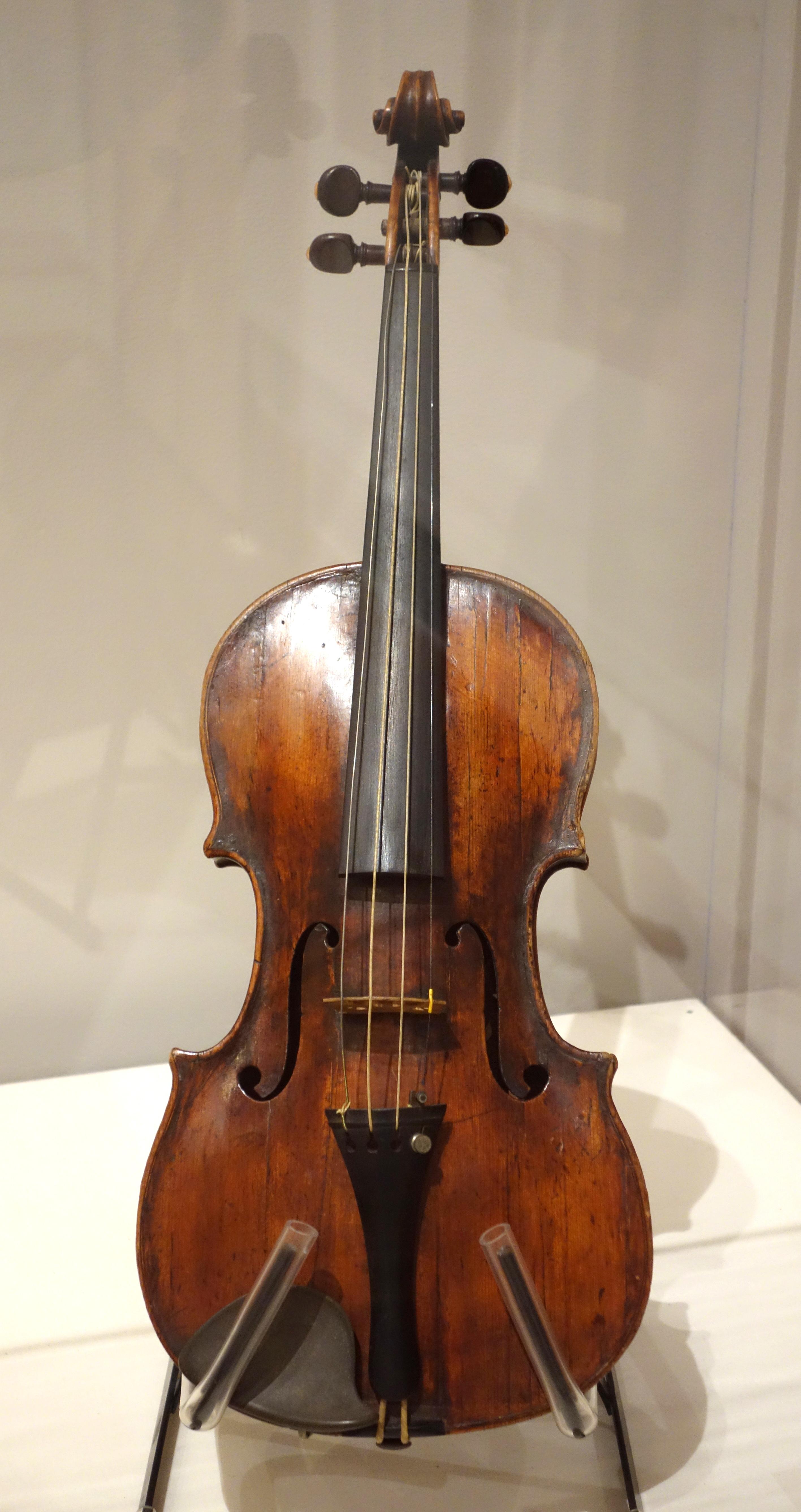 File Violin Ferdinand Gagliano Italy C 1760 Spruce