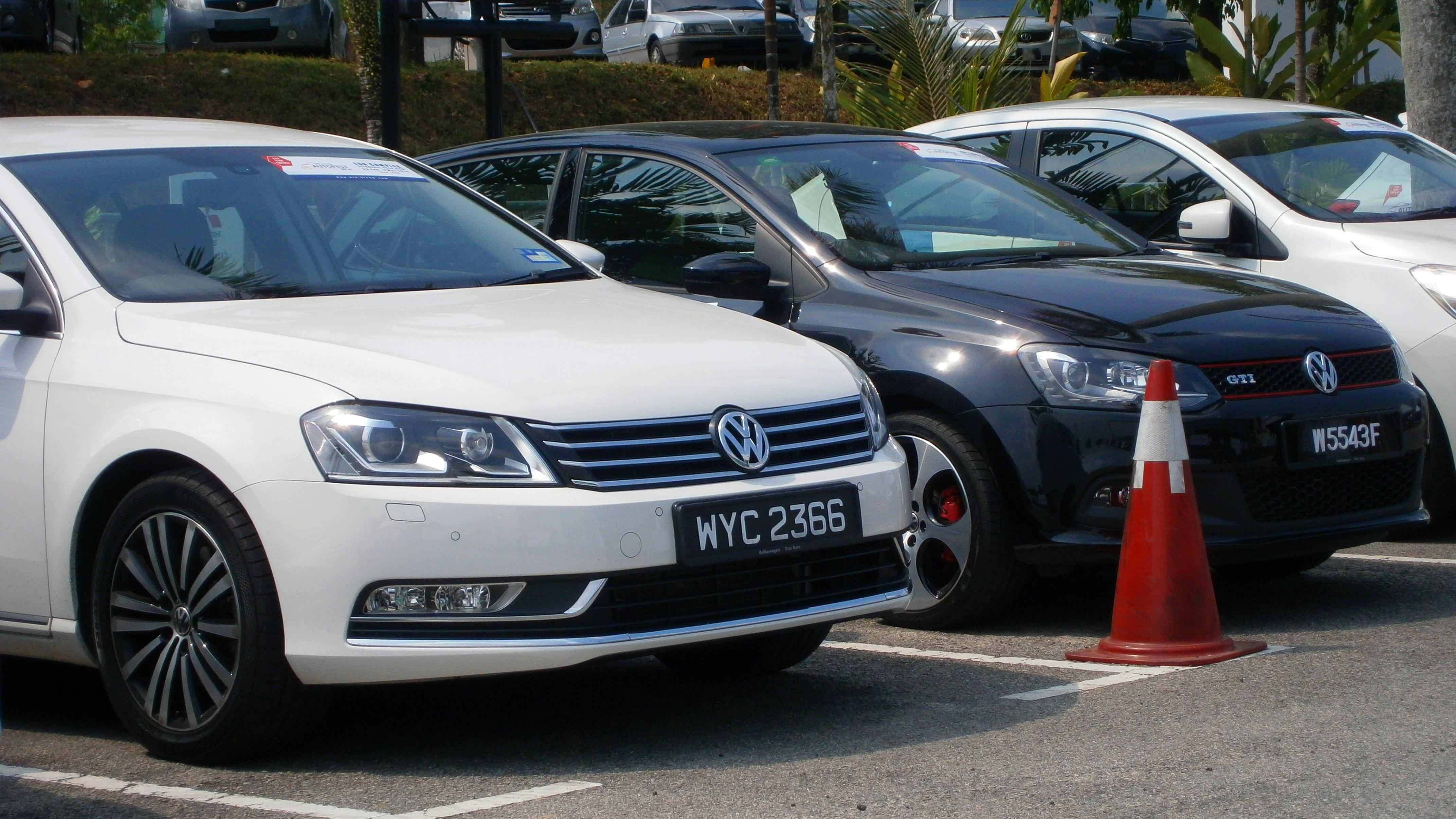 Description Volkswagen Test Drive Cars (left to right; Passat 1.8 TSI ...