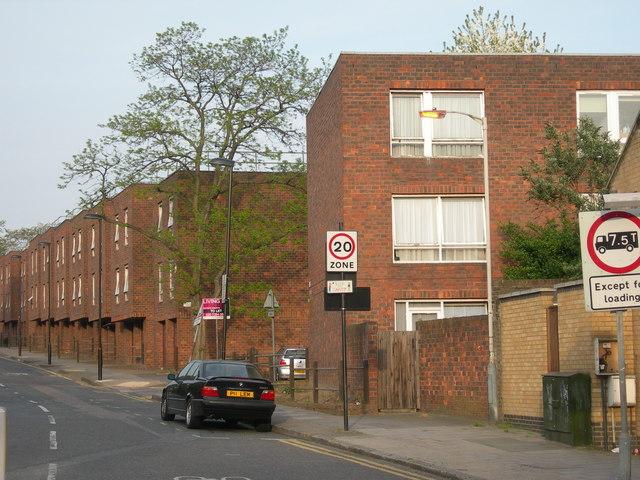 File:Wheelwright Street, N7 - geograph.org.uk - 413904.jpg