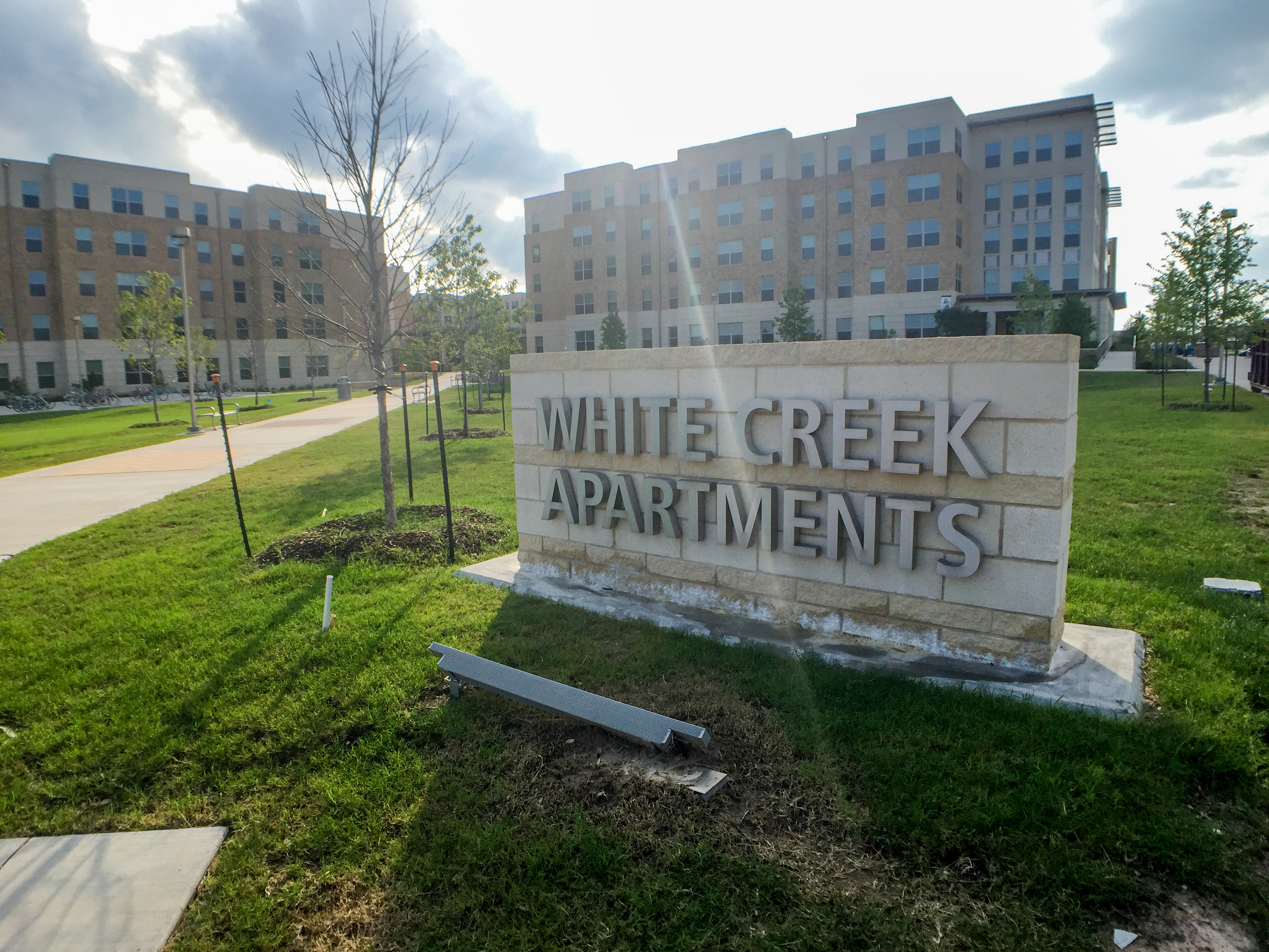 File White Creek Apartments Jpg Wikimedia Commons