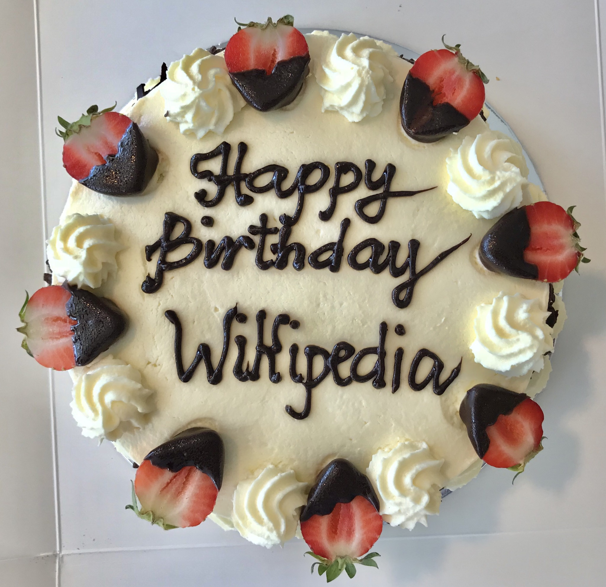 FileWikipedia 17 Birthday Cake In Brisbane Australia