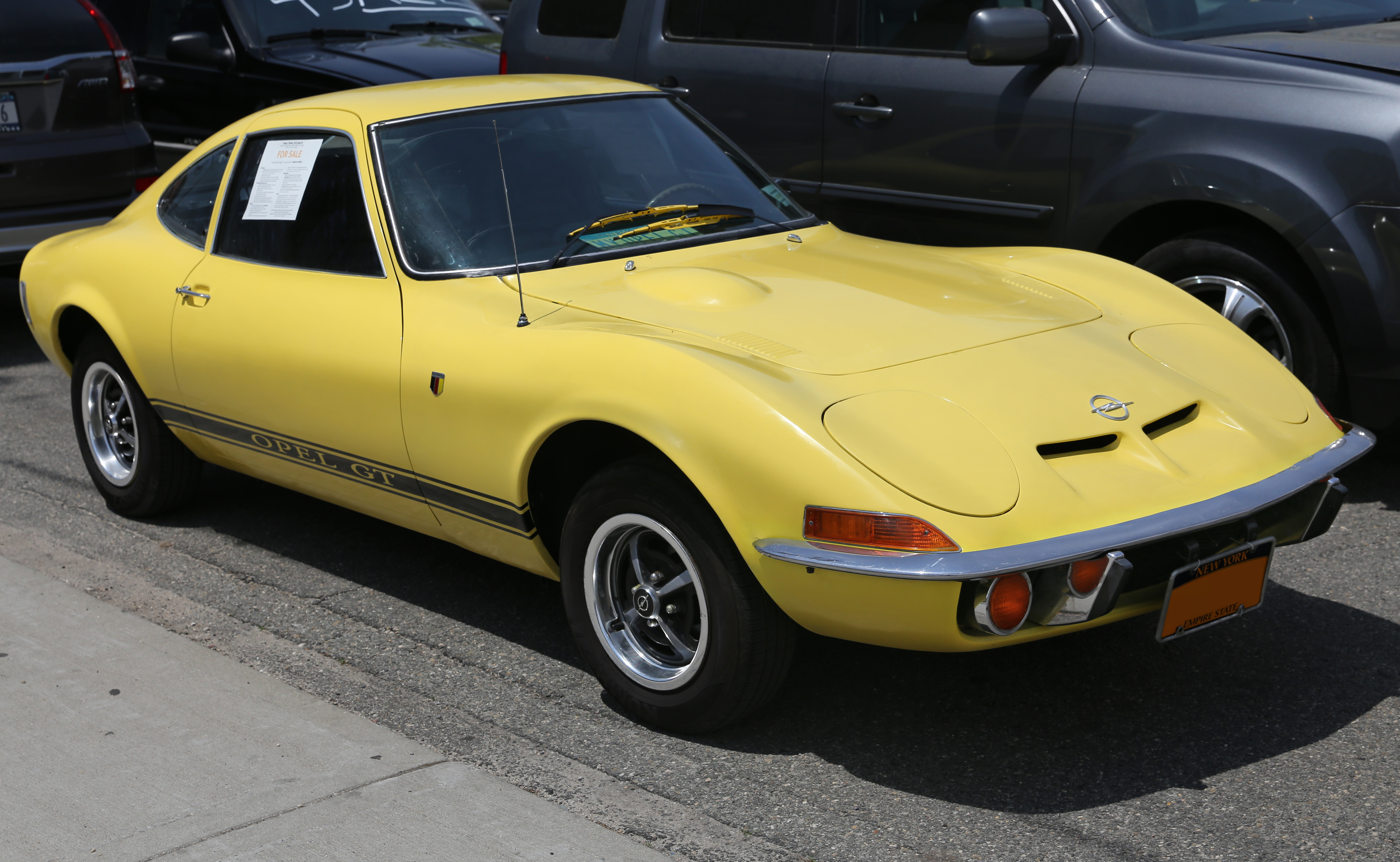 File:1973 Opel GT (1900, US) front right.jpg - Wikimedia Commons