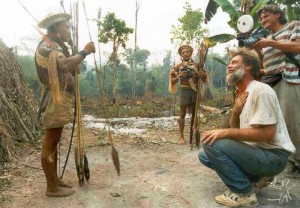 An anthropologist with indigenous American people Antropologo social.jpg
