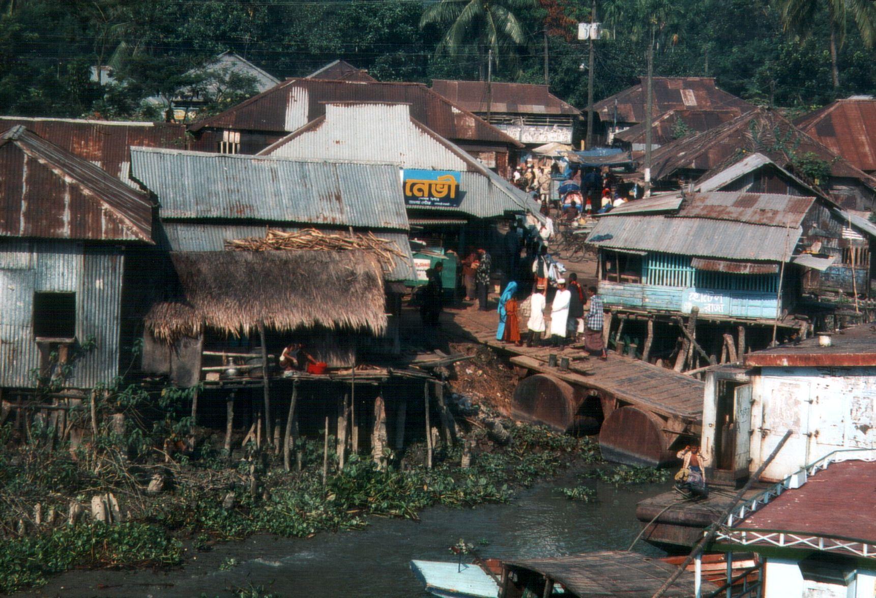 File Bangladesh Barisal Shanty Town Slum Next To River