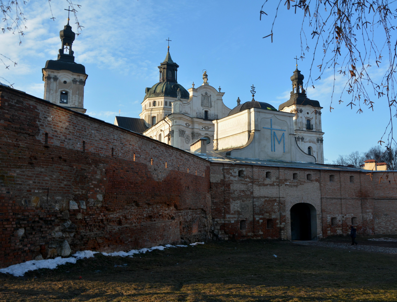 File:Berdychiv Carmelite Monastery 02 (YDS 9775) jpg - Wikimedia Commons