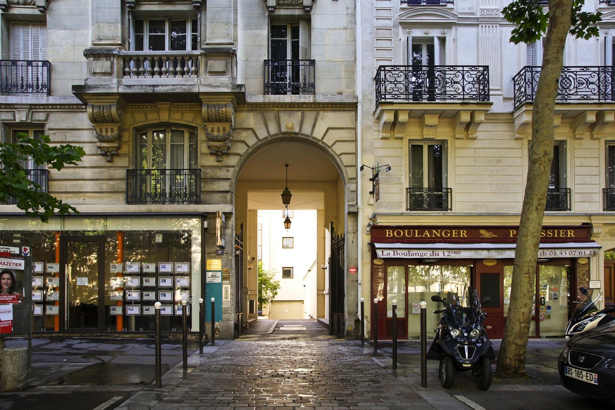 Rue Des Ecoles Laiques Restaurant Chinois  Ef Bf Bd Volonter