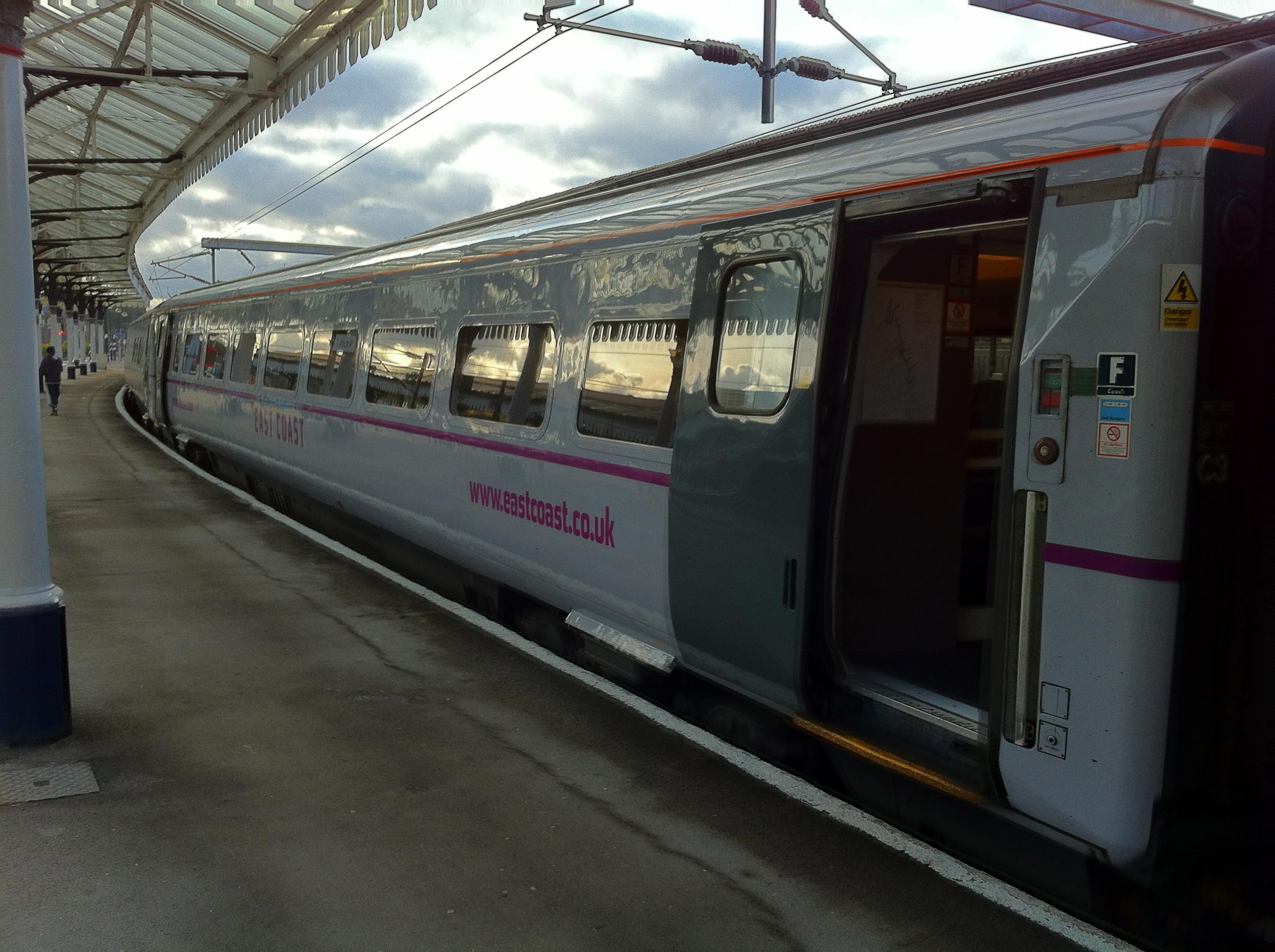 file british rail mark 4 coach in east coast 2011 livery jpgfile british rail mark 4 coach in east coast 2011 livery jpg