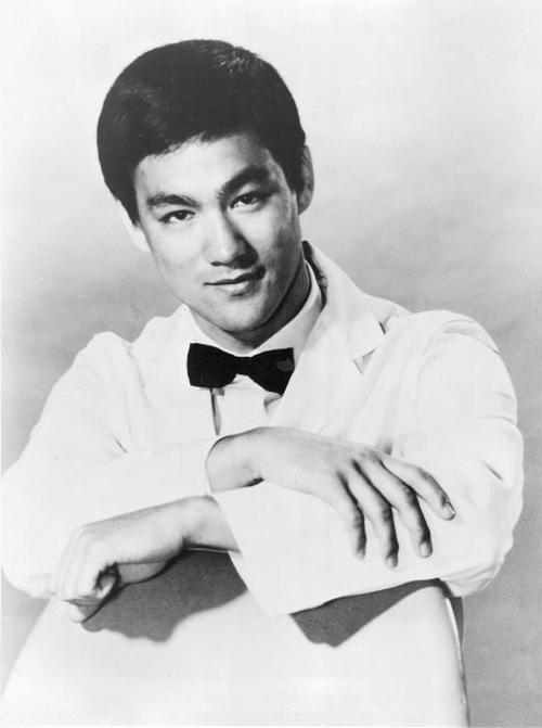 [Obrazek: Bruce-Lee-as-Kato-1967-restored.jpg]