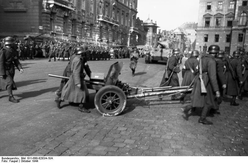 German 50 Mm Anti Tank Gun: File:Bundesarchiv Bild 101I-680-8283A-18A, Budapest