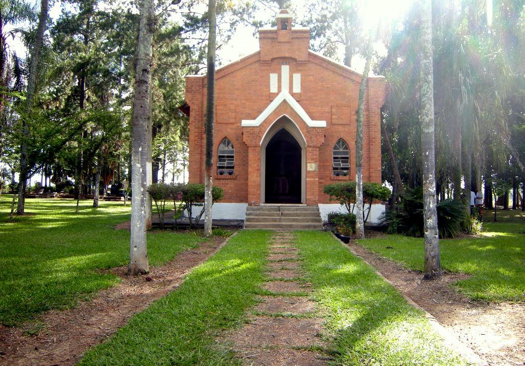 Na foto a Capela do Campo, no Cemitério do Campo em Santa Bárbara d'Oeste.