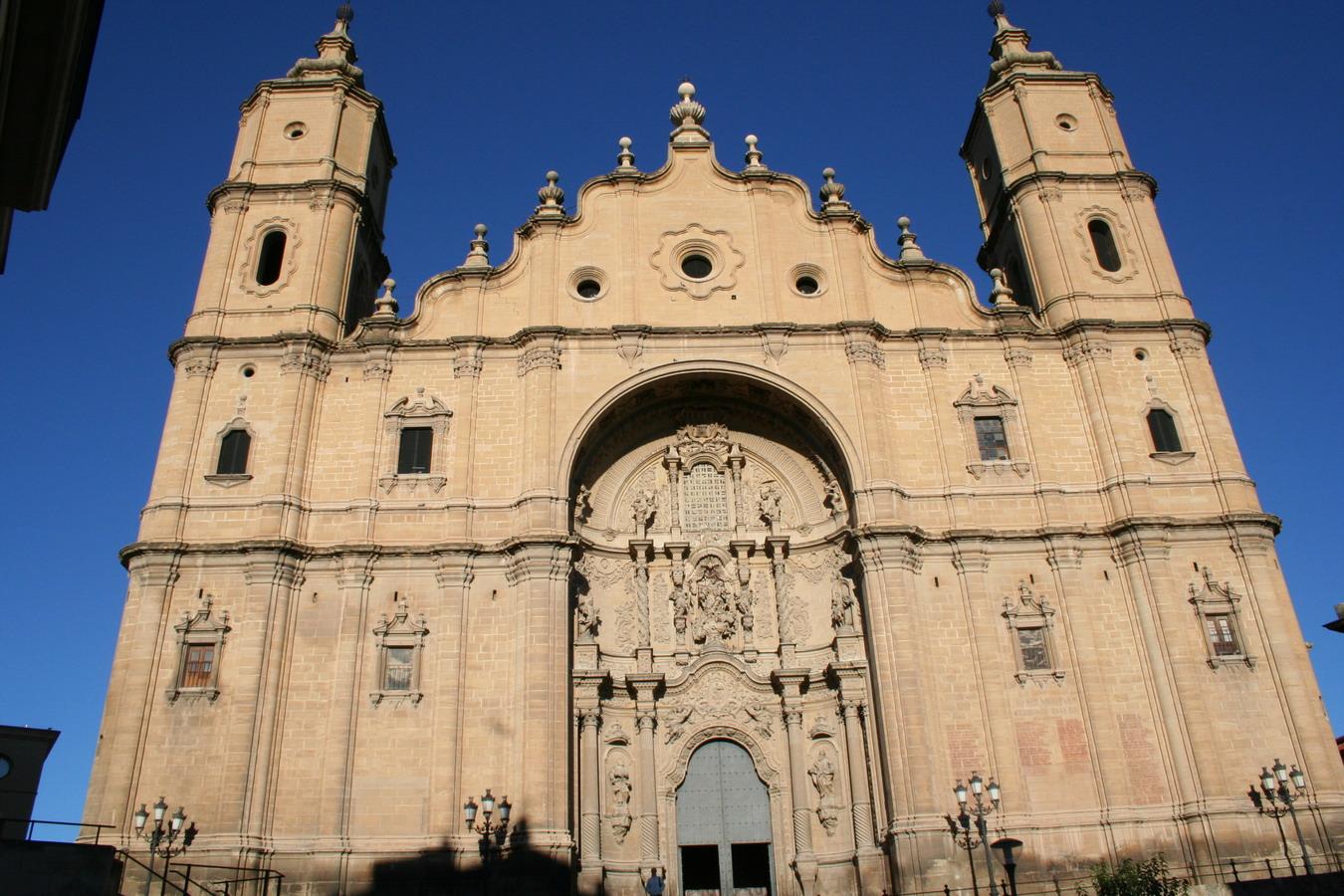 File:Fachada principal de la iglesia de Santa Maria la Mayor Al--cañiz.JPG - ...