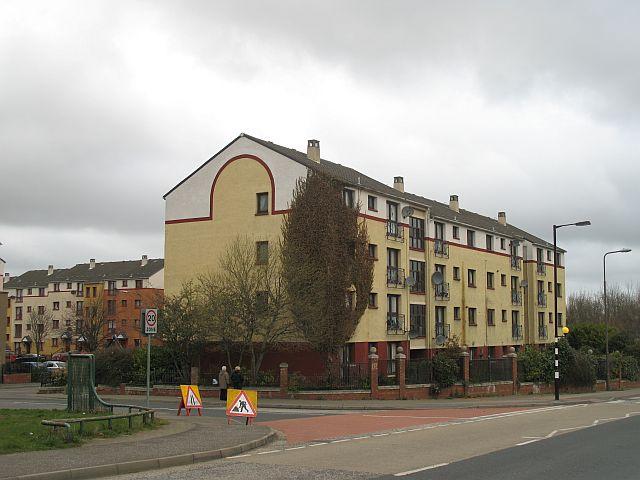 Flats off Clovenstone Road geograph.org.uk 767863