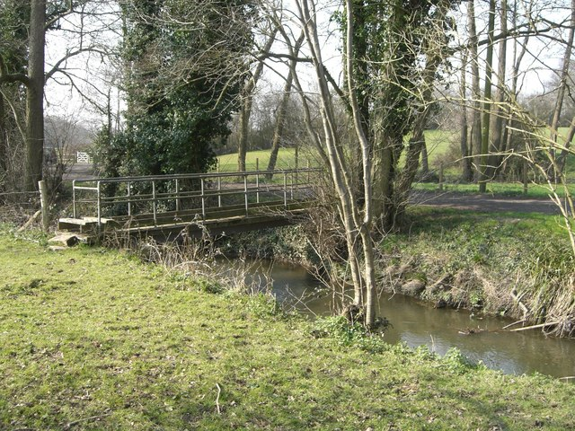 Footbridge over the river Arun - geograph.org.uk - 384401