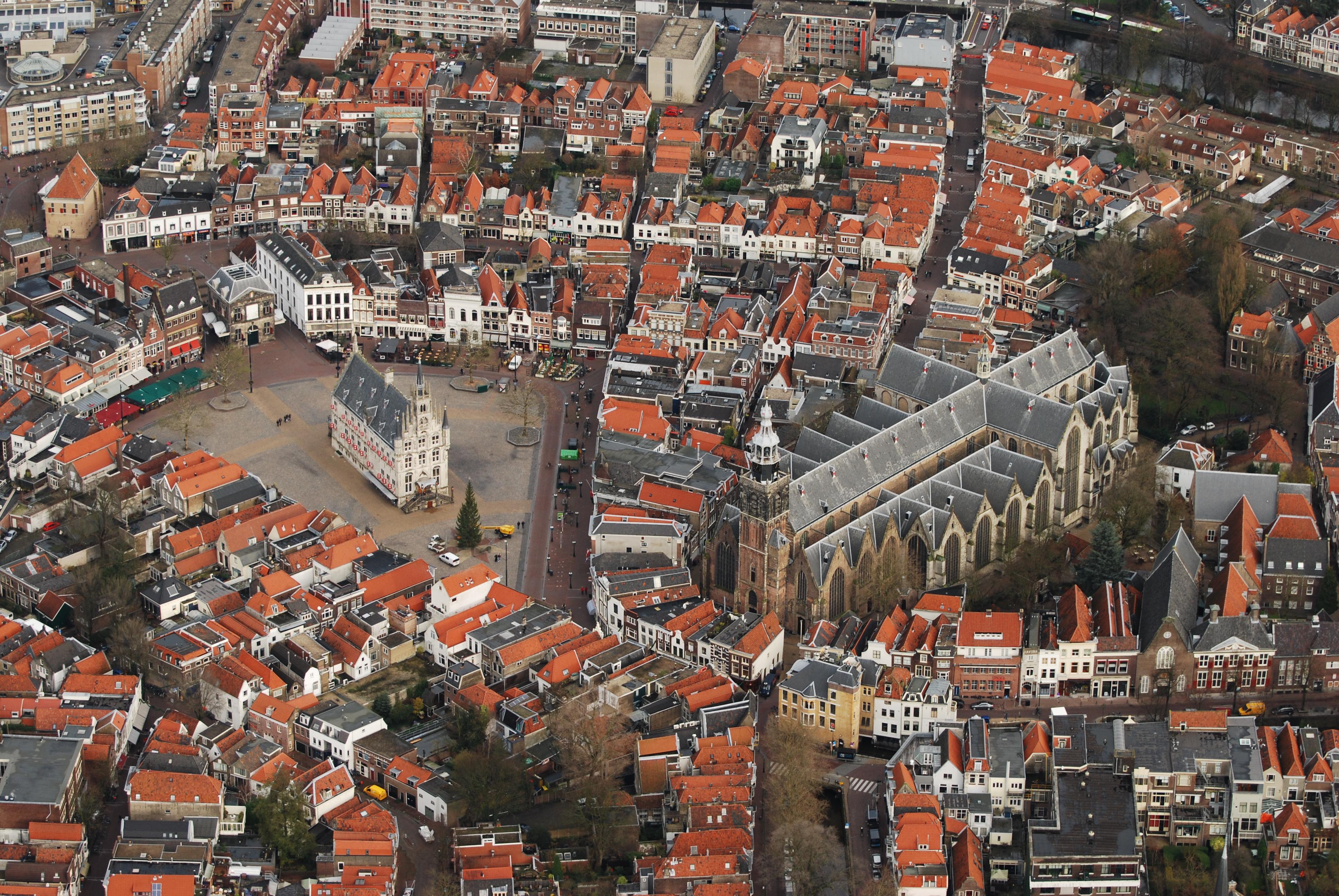 File Gouda Vanuit De Lucht Jpg Wikimedia Commons
