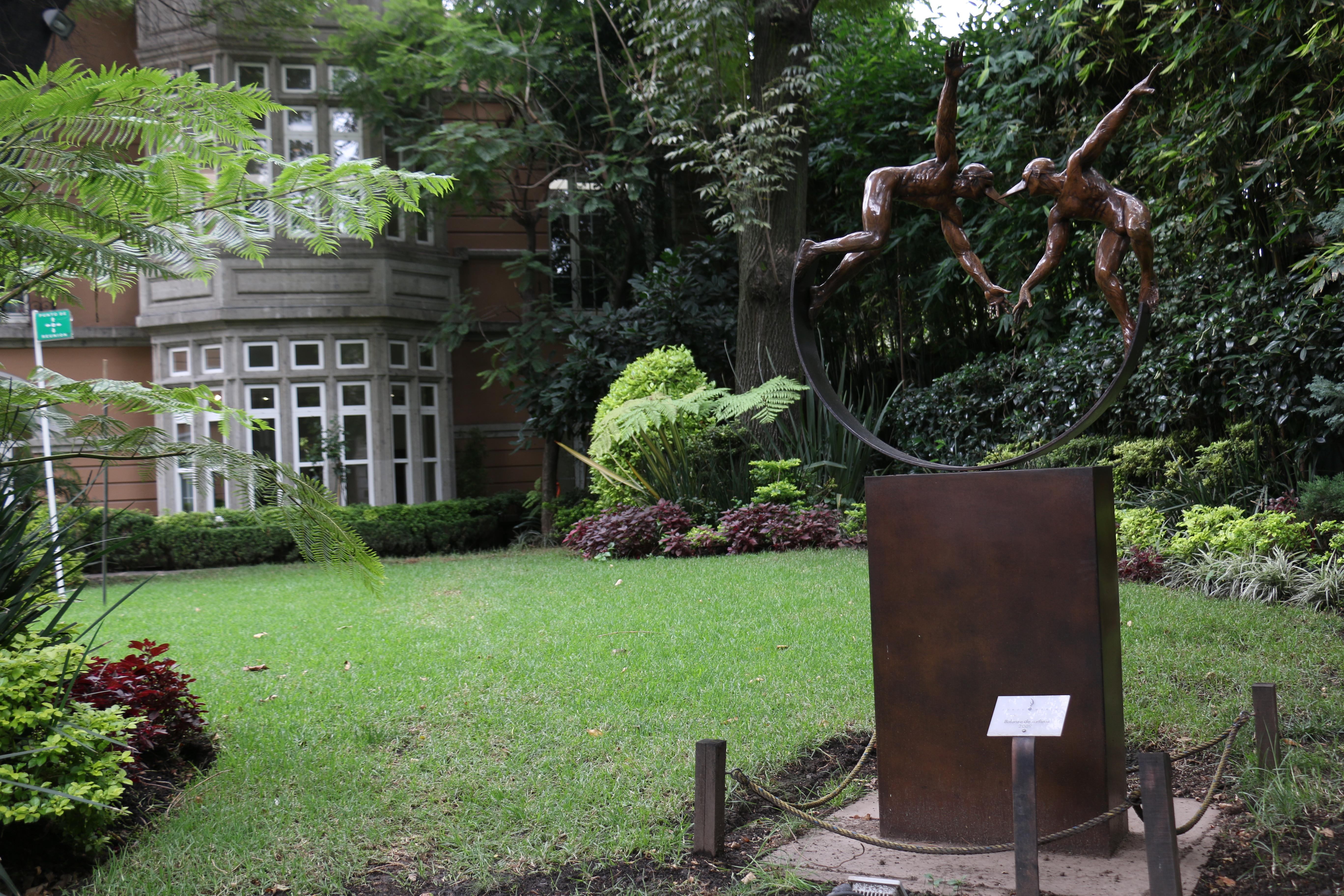 Archivo jard n principal de la casa lamm escultura for Jardin principal