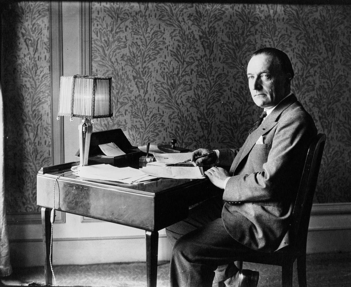 File:Jules Romains 1934.jpg