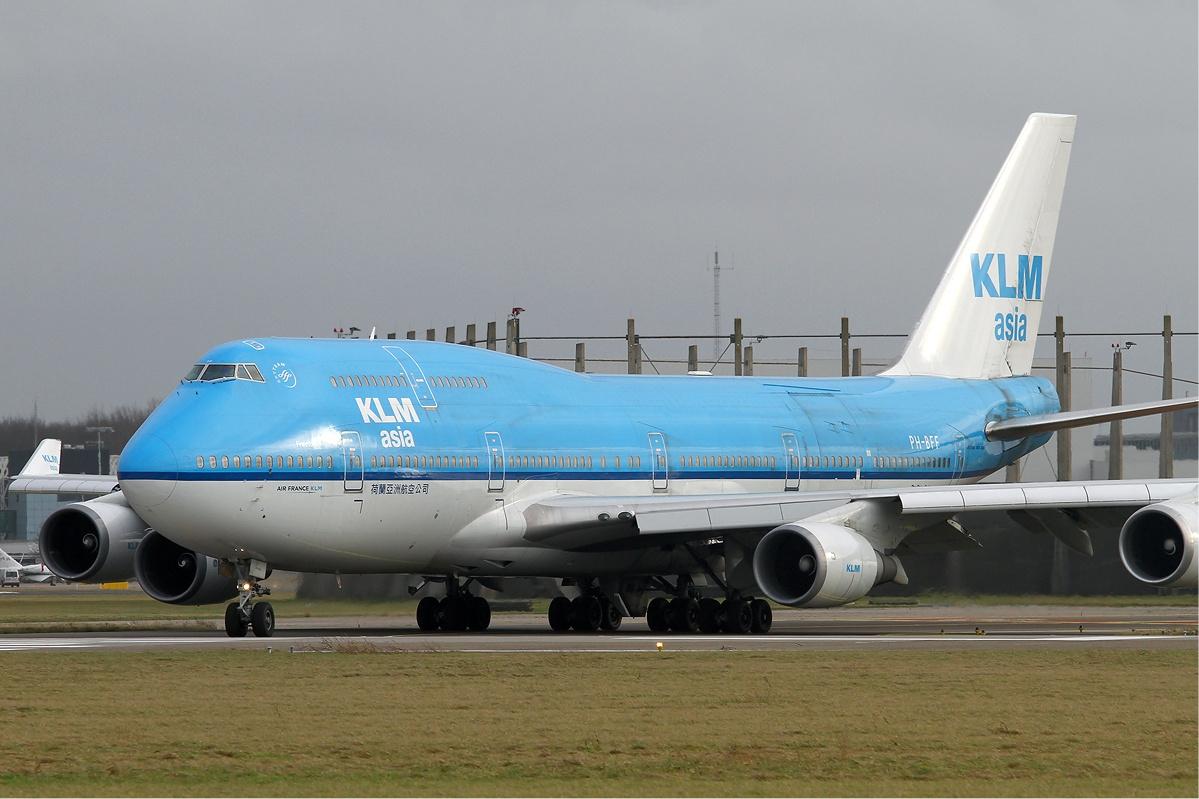 http://upload.wikimedia.org/wikipedia/commons/c/cf/KLM_Asia_Boeing_747-400_KvW.jpg